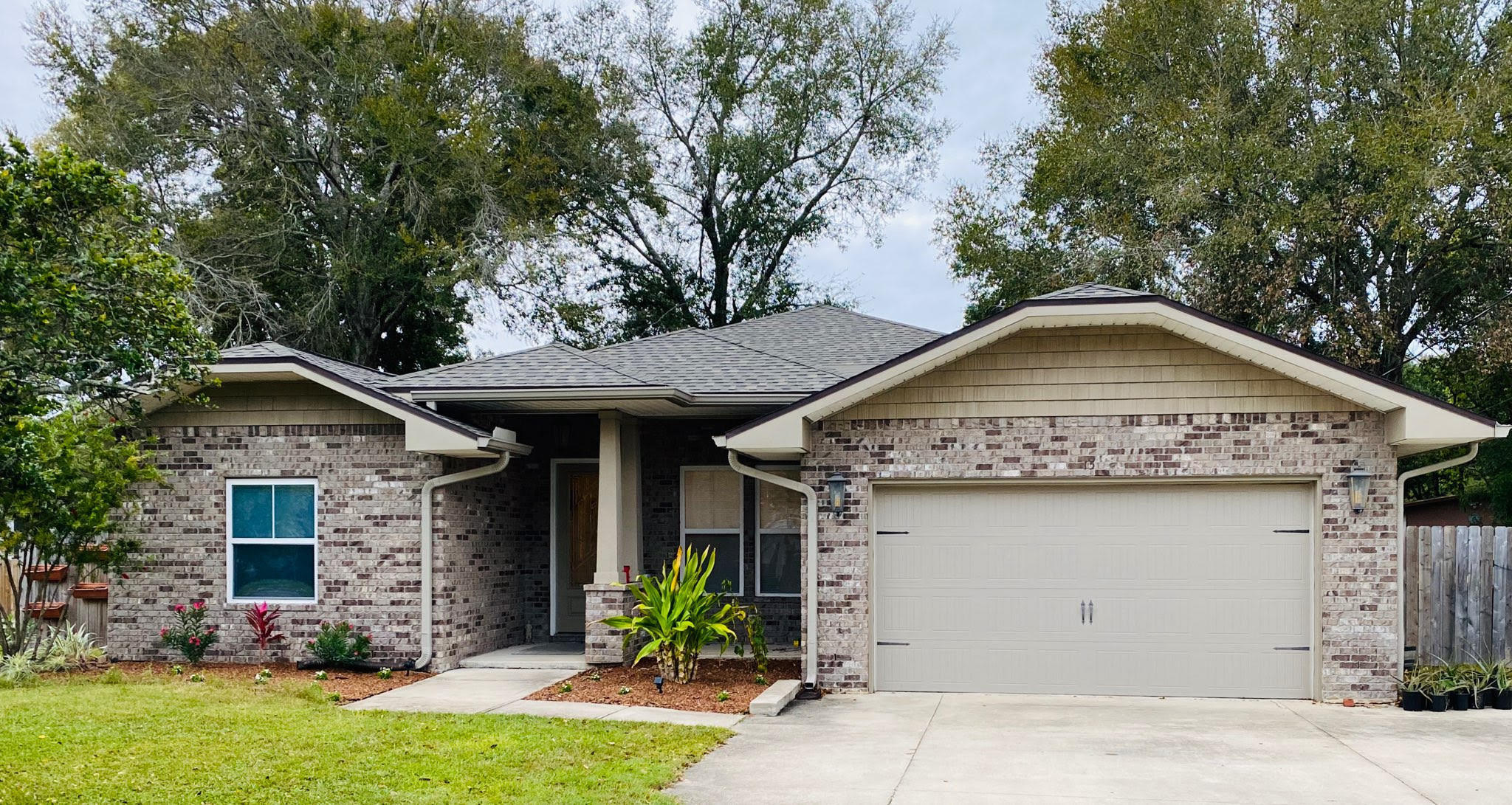 Photo of home for sale at 15 Holmes, Fort Walton Beach FL