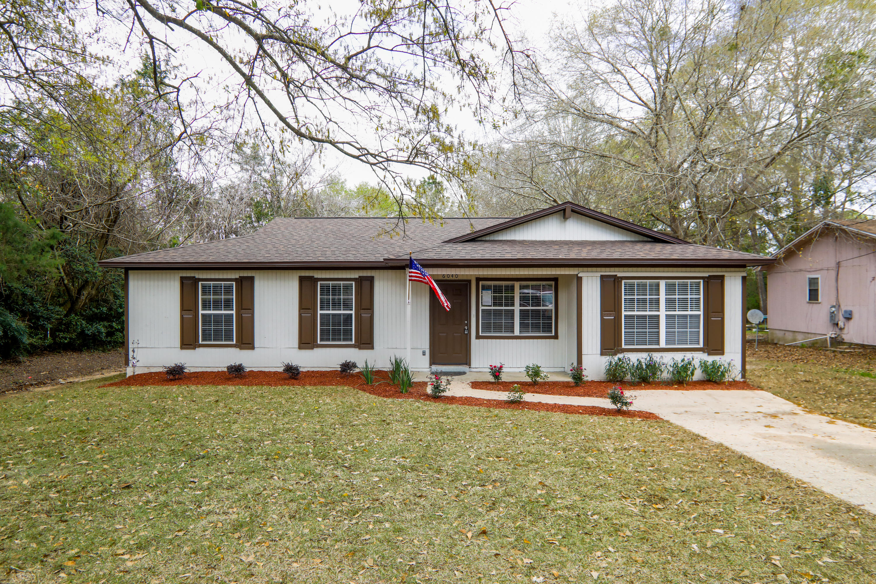 Photo of home for sale at 6040 Old Bethel, Crestview FL