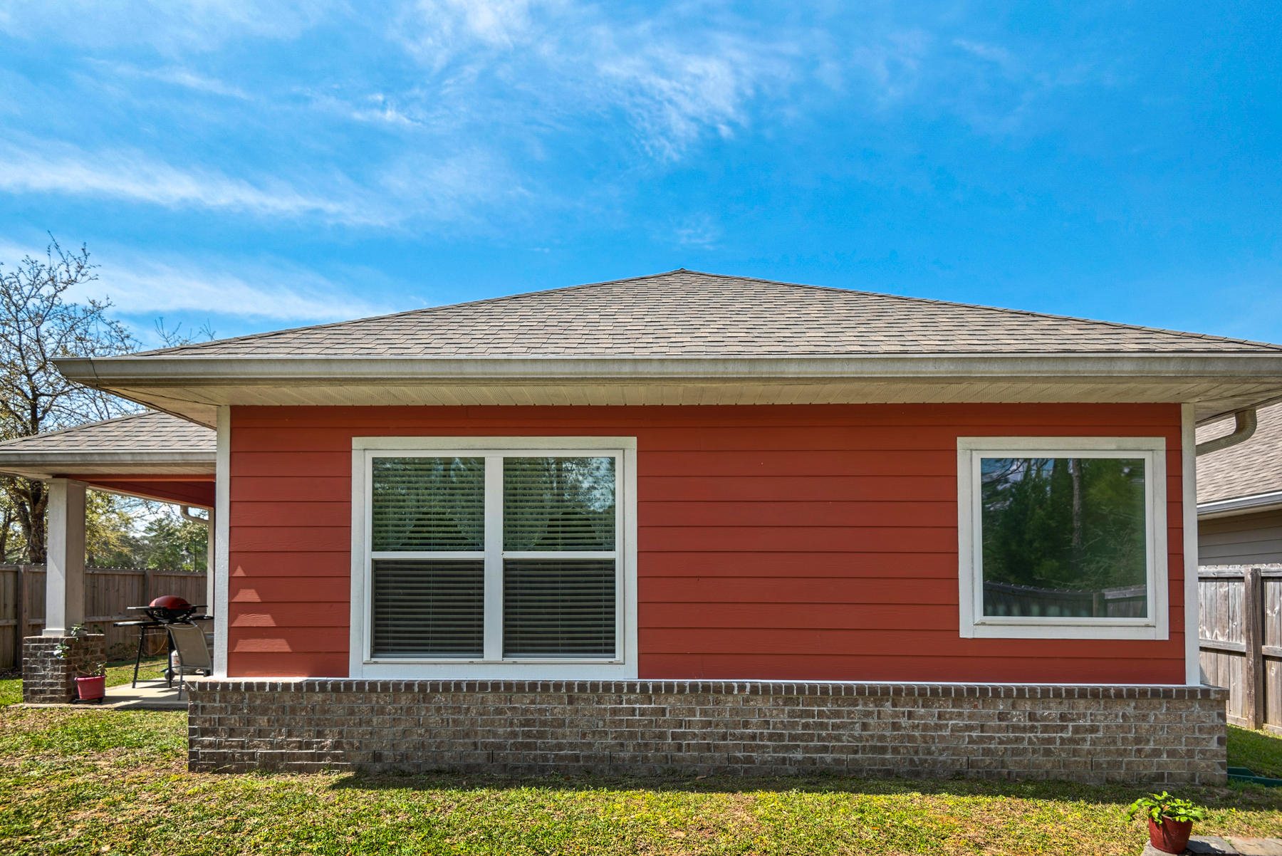 Photo of home for sale at 235 Marsh, Freeport FL
