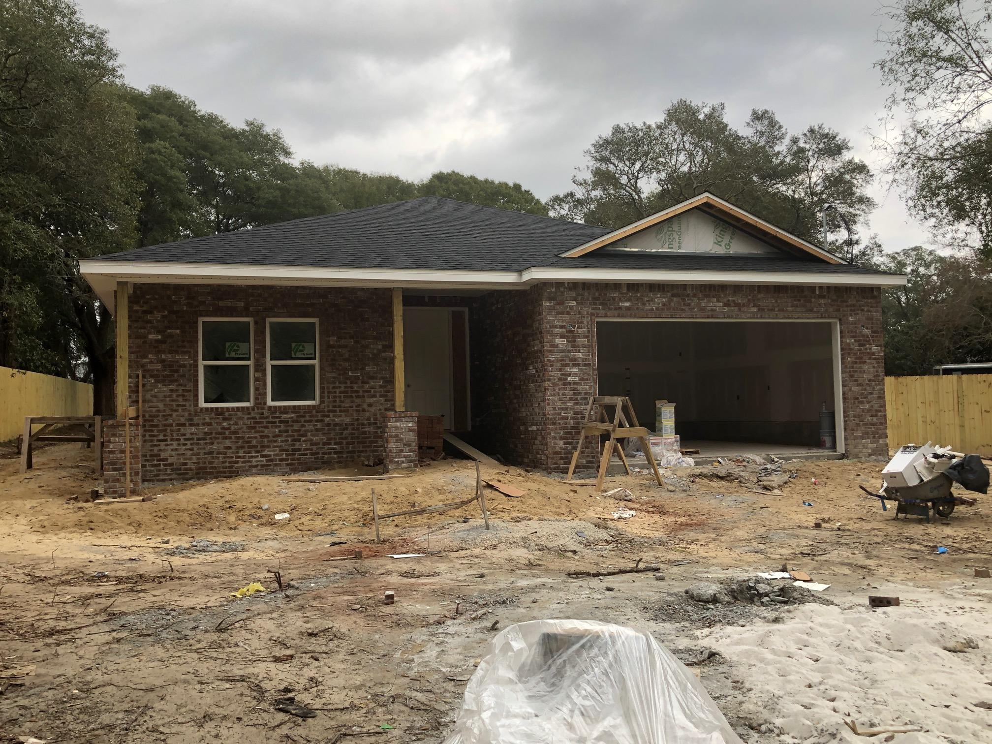 Photo of home for sale at 104 Eldredge, Fort Walton Beach FL