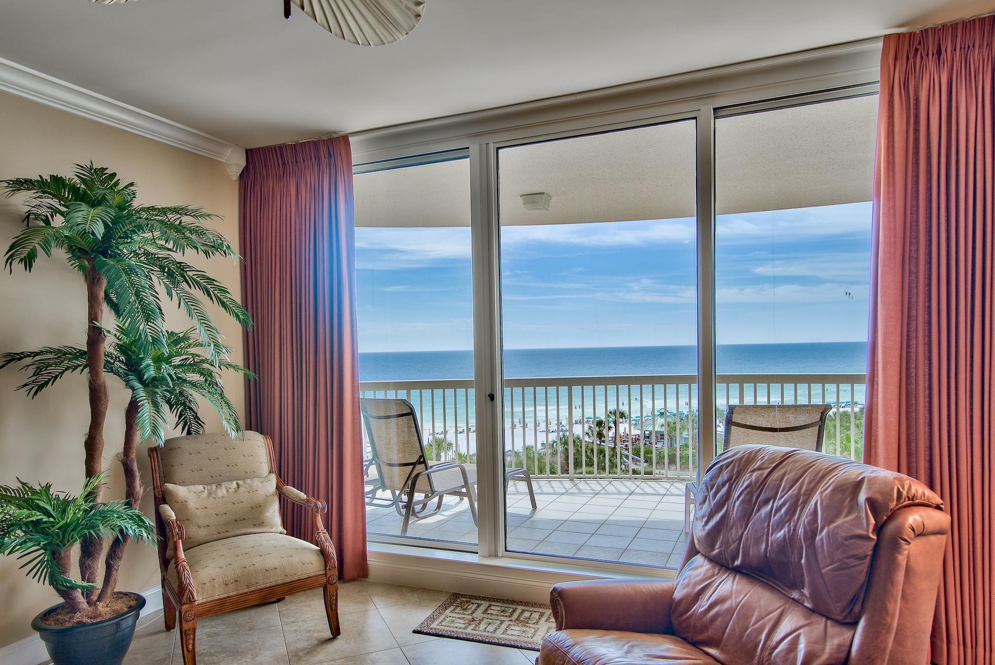 Photo of home for sale at 15400 Emerald Coast, Destin FL
