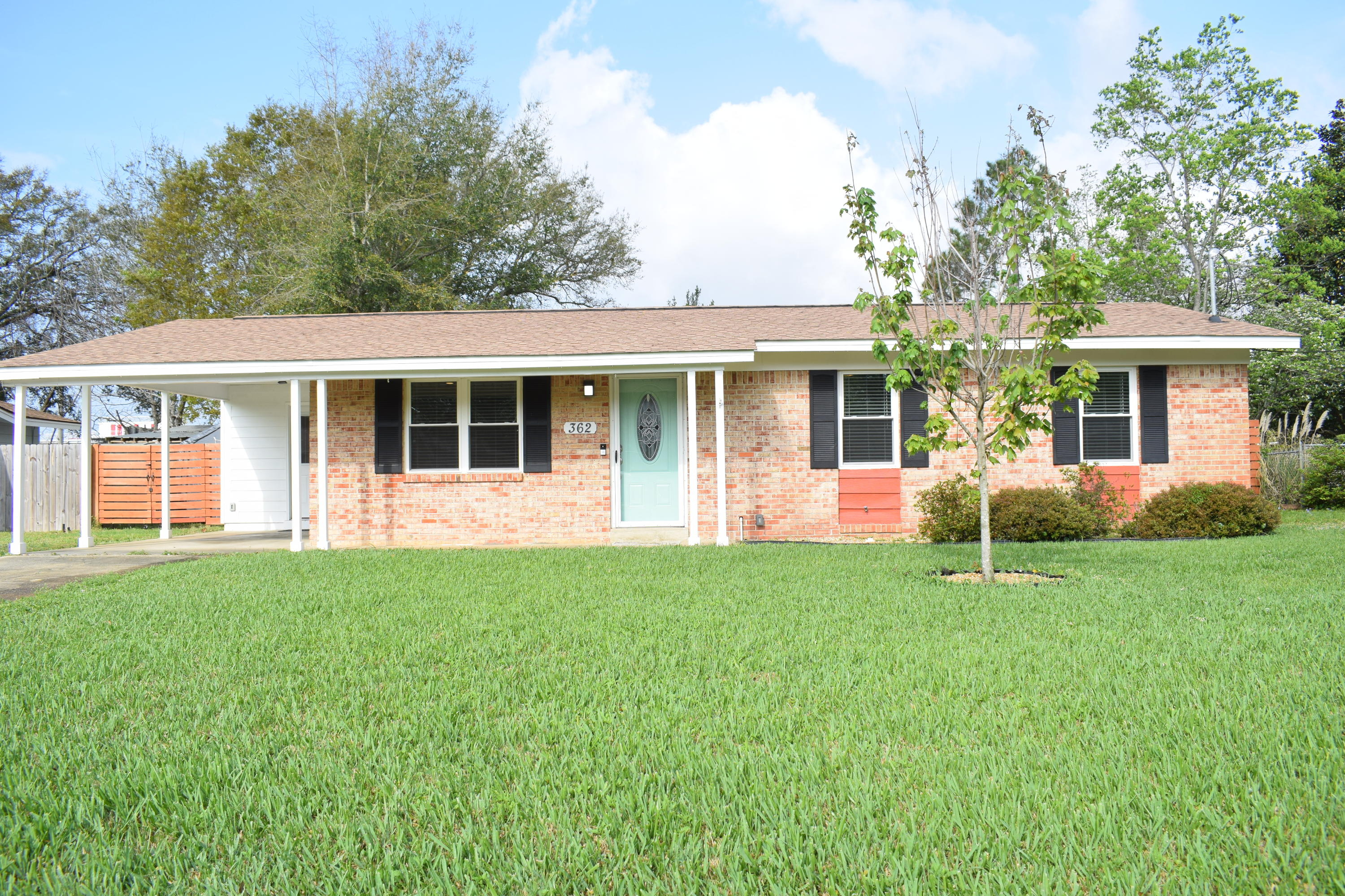 Photo of home for sale at 362 Coral, Fort Walton Beach FL