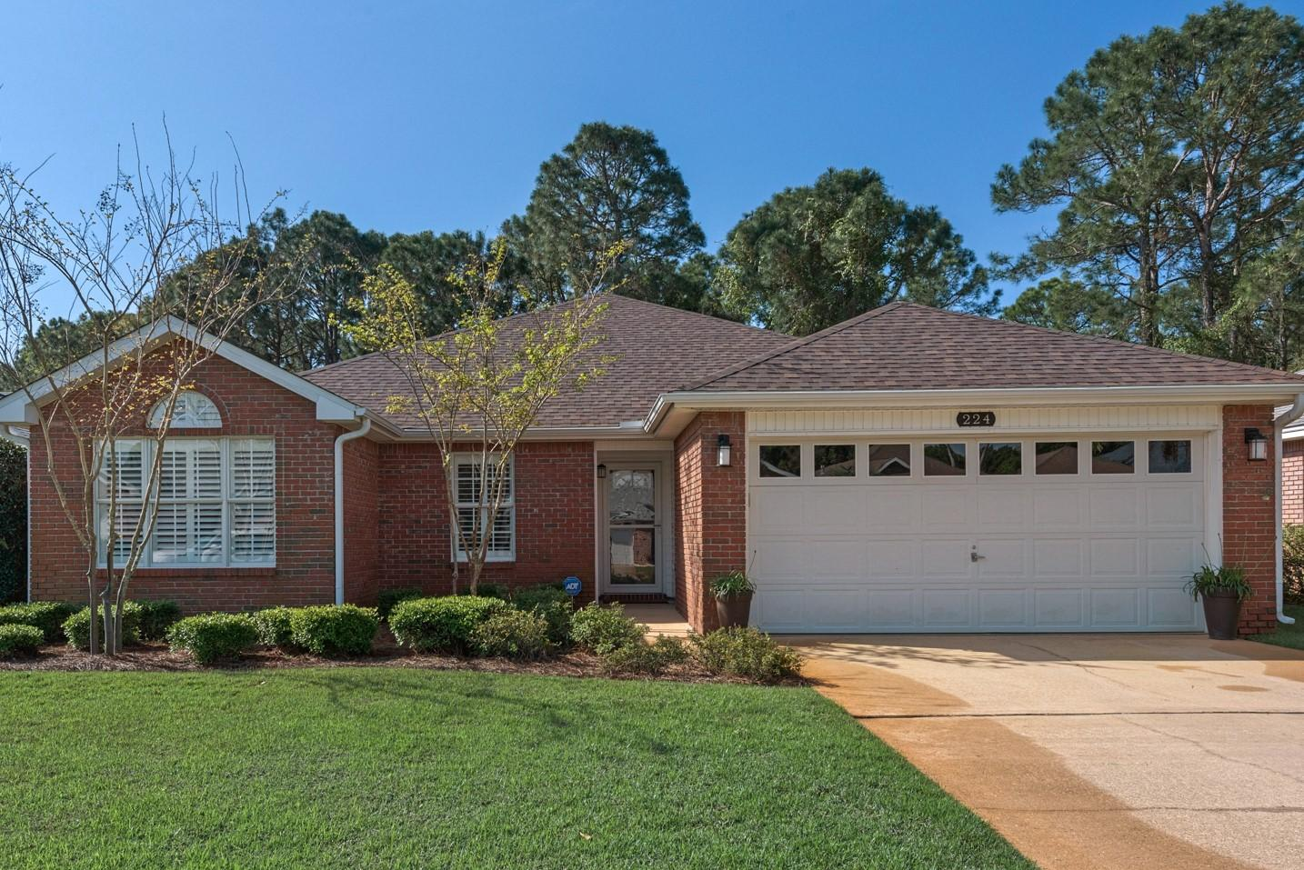 Photo of home for sale at 224 Bay Tree, Miramar Beach FL