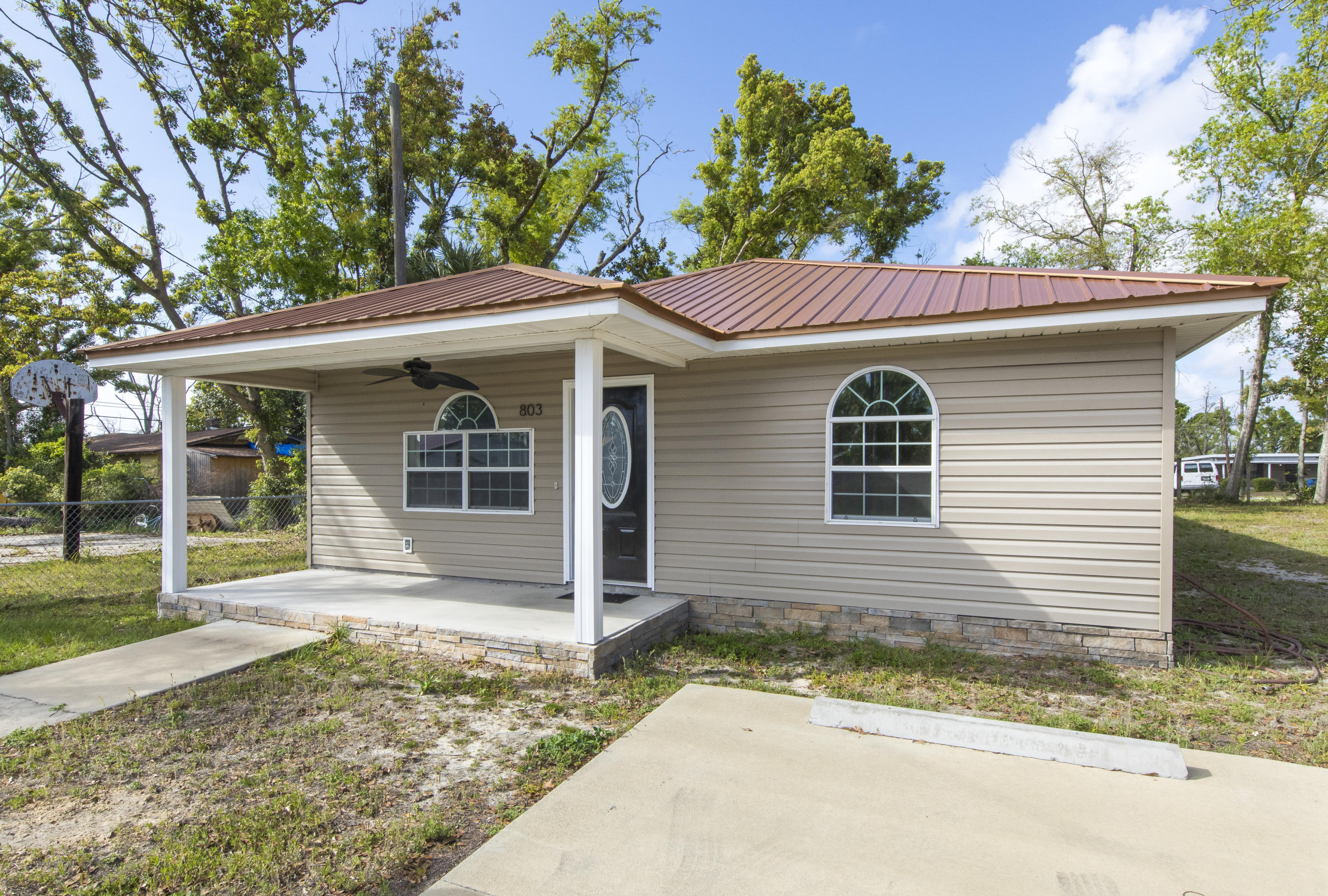 Photo of home for sale at 803 12Th, Panama City FL
