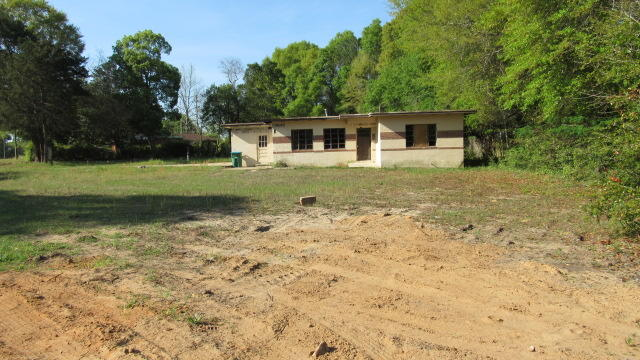 Photo of home for sale at 110 Butler, Crestview FL
