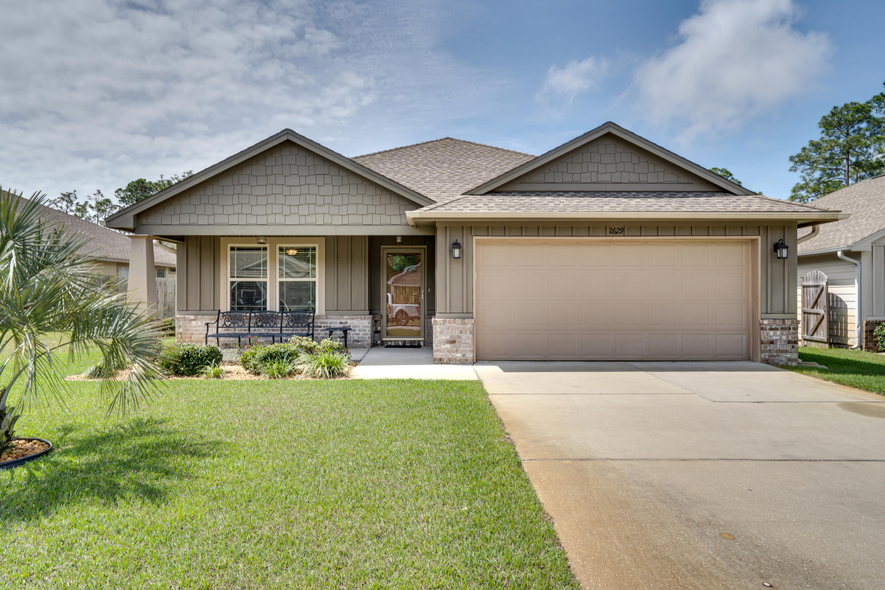 Photo of home for sale at 2629 Hartman, Navarre FL