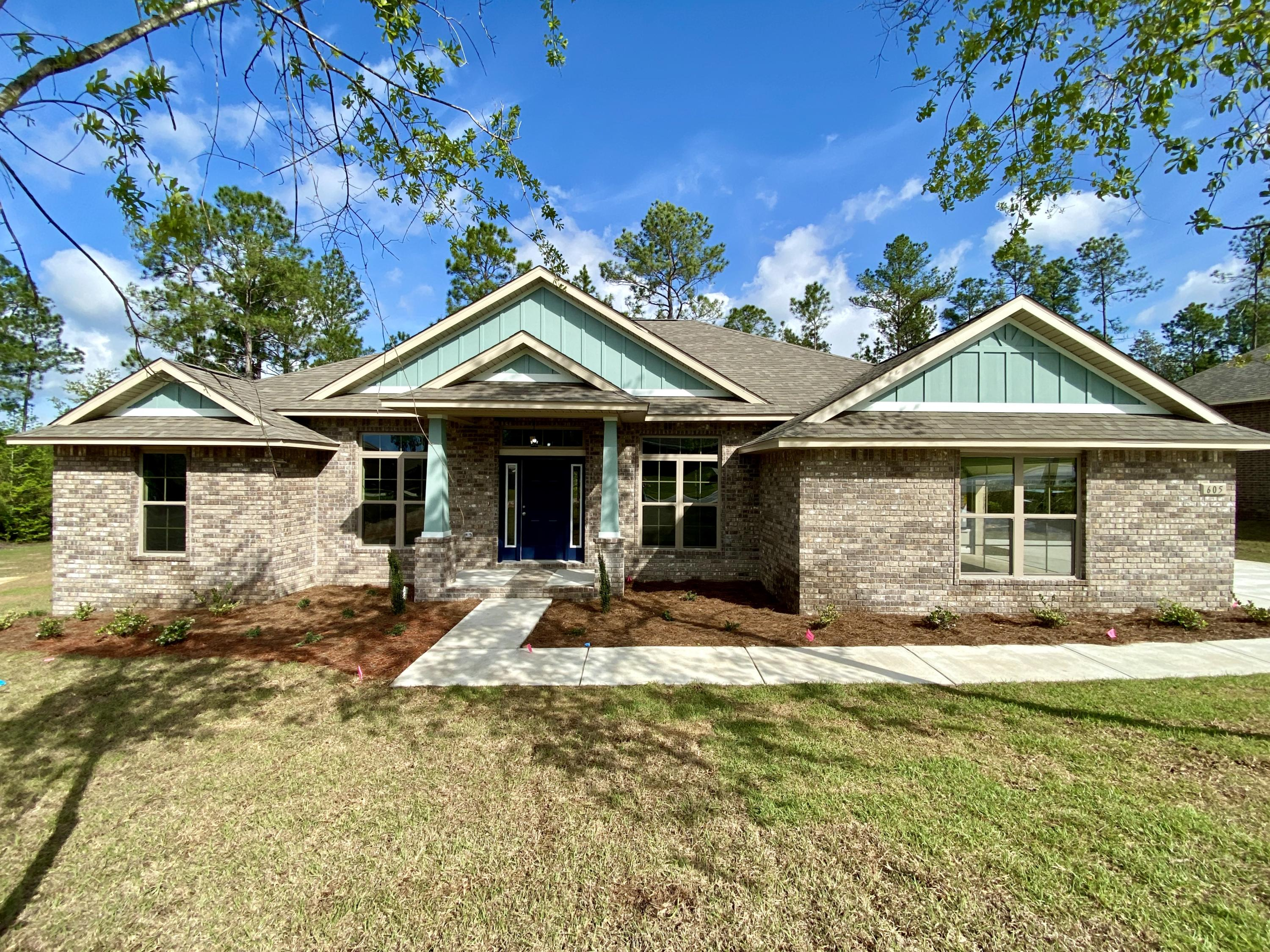 Photo of home for sale at 605 Terrier, Crestview FL