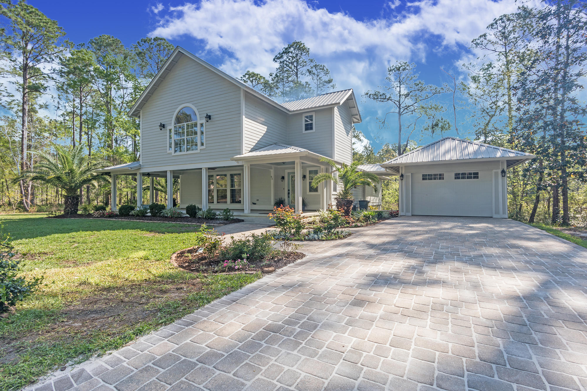 Photo of home for sale at 65 Island Grove, Freeport FL