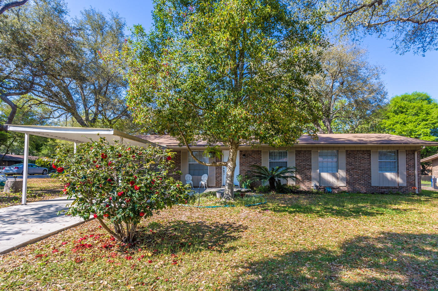 Photo of home for sale at 1003 47th, Niceville FL