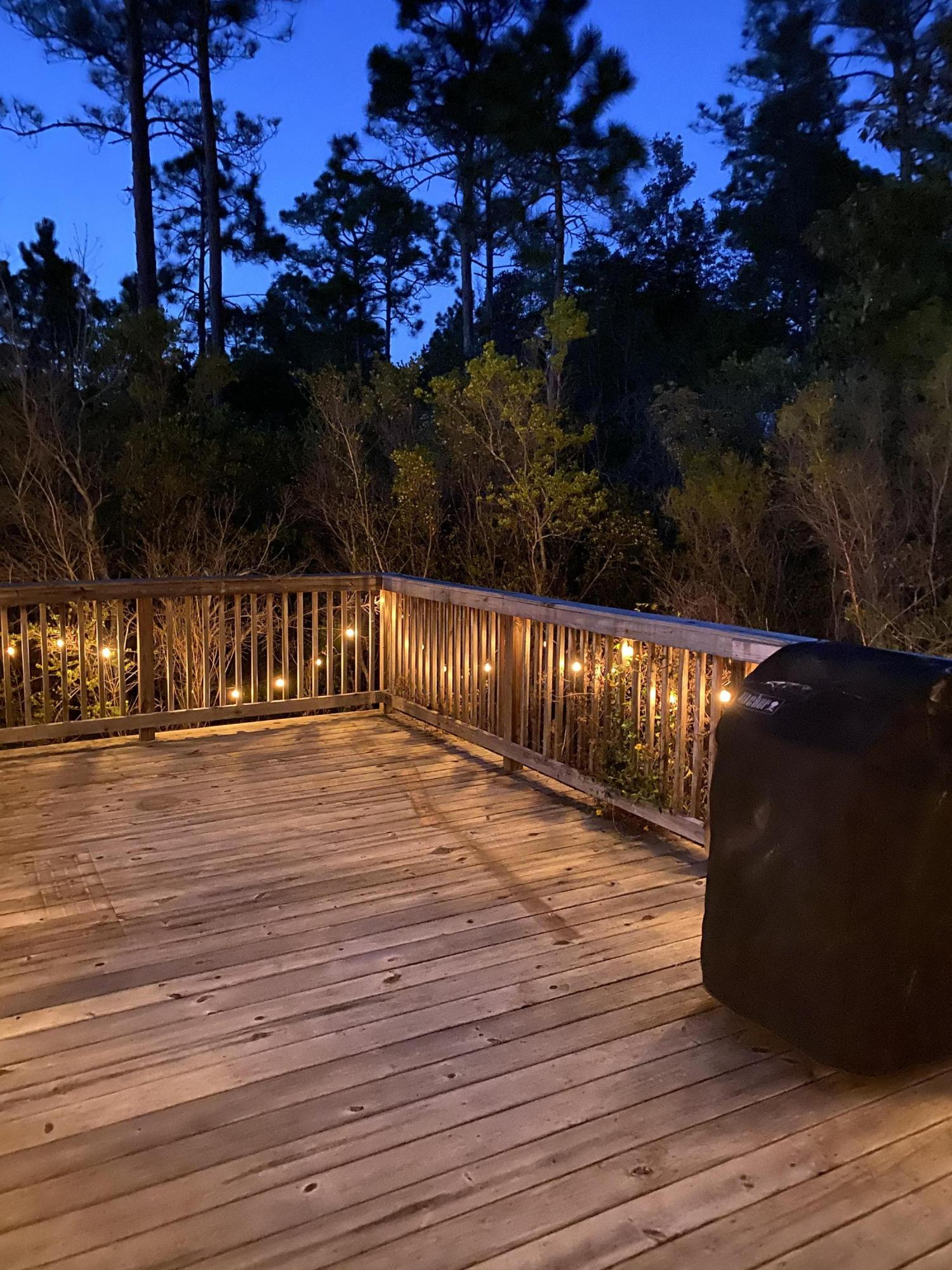 Photo of home for sale at 9304 Plano, Navarre FL