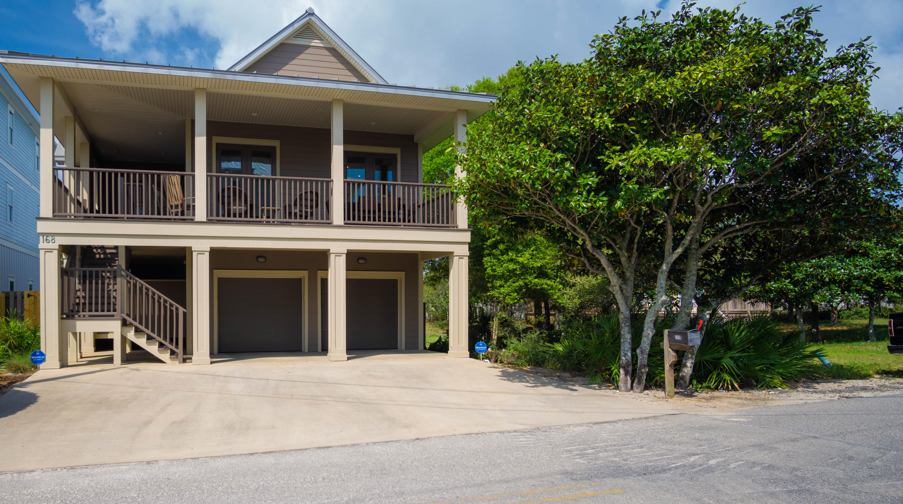 Photo of home for sale at 168 Sandtrap, Miramar Beach FL