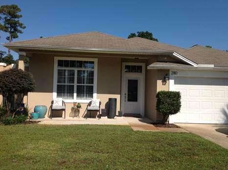 Photo of home for sale at 280 Tecumseh, Mary Esther FL
