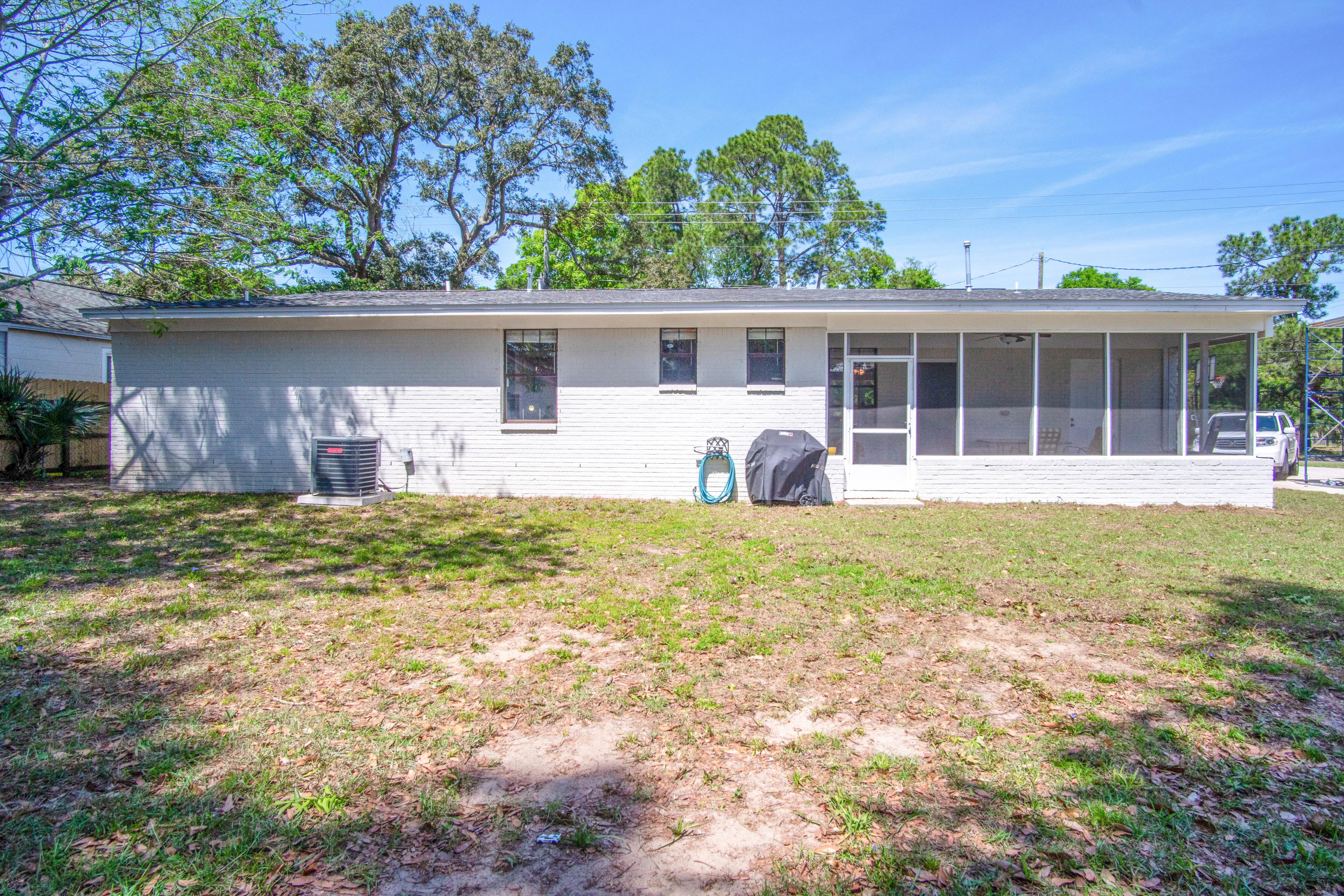 Photo of home for sale at 1611 Fisher, Pensacola FL
