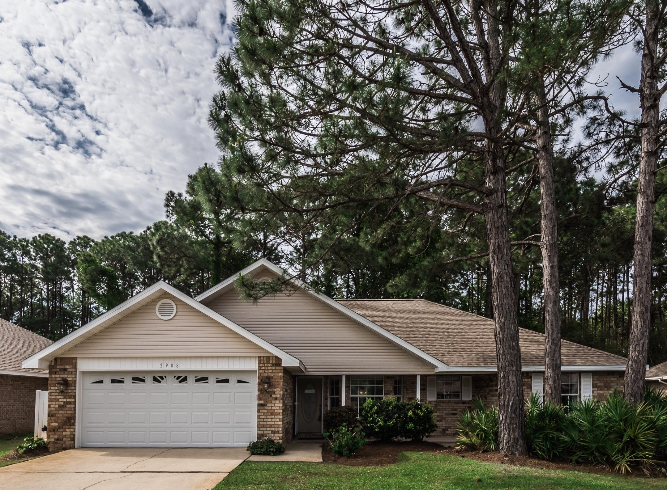 Photo of home for sale at 3908 Mesa, Destin FL