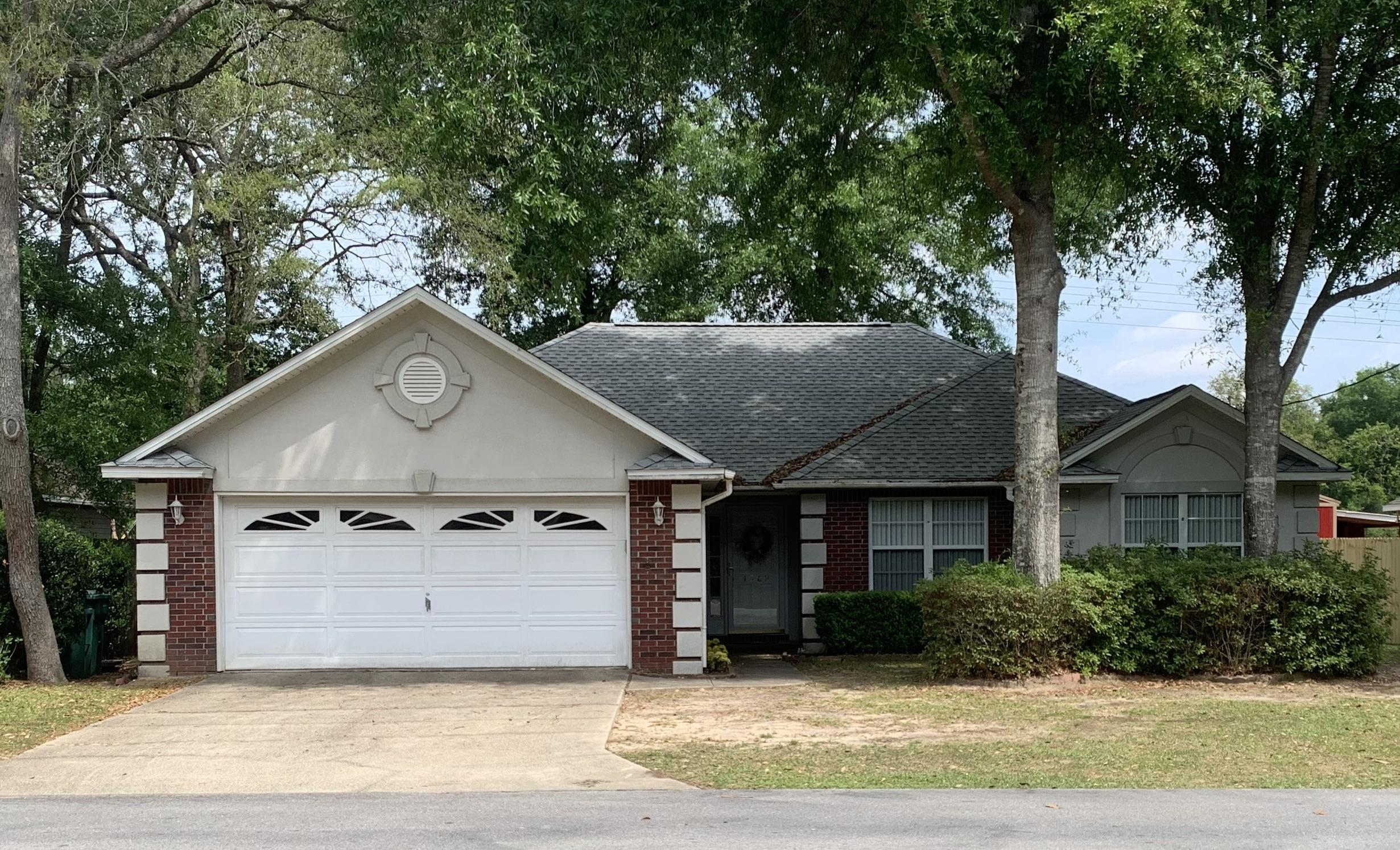 Photo of home for sale at 4589 Top Flight, Crestview FL