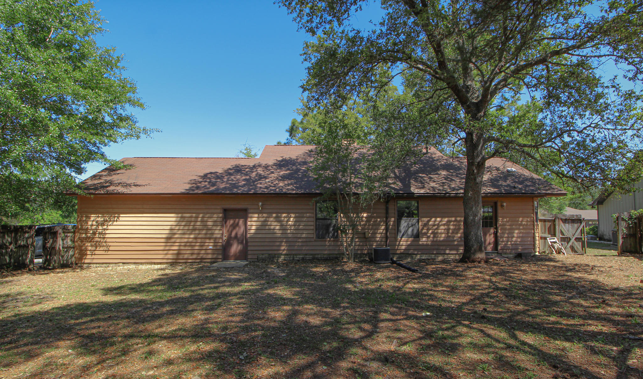 Photo of home for sale at 259 Grand Prix, Crestview FL