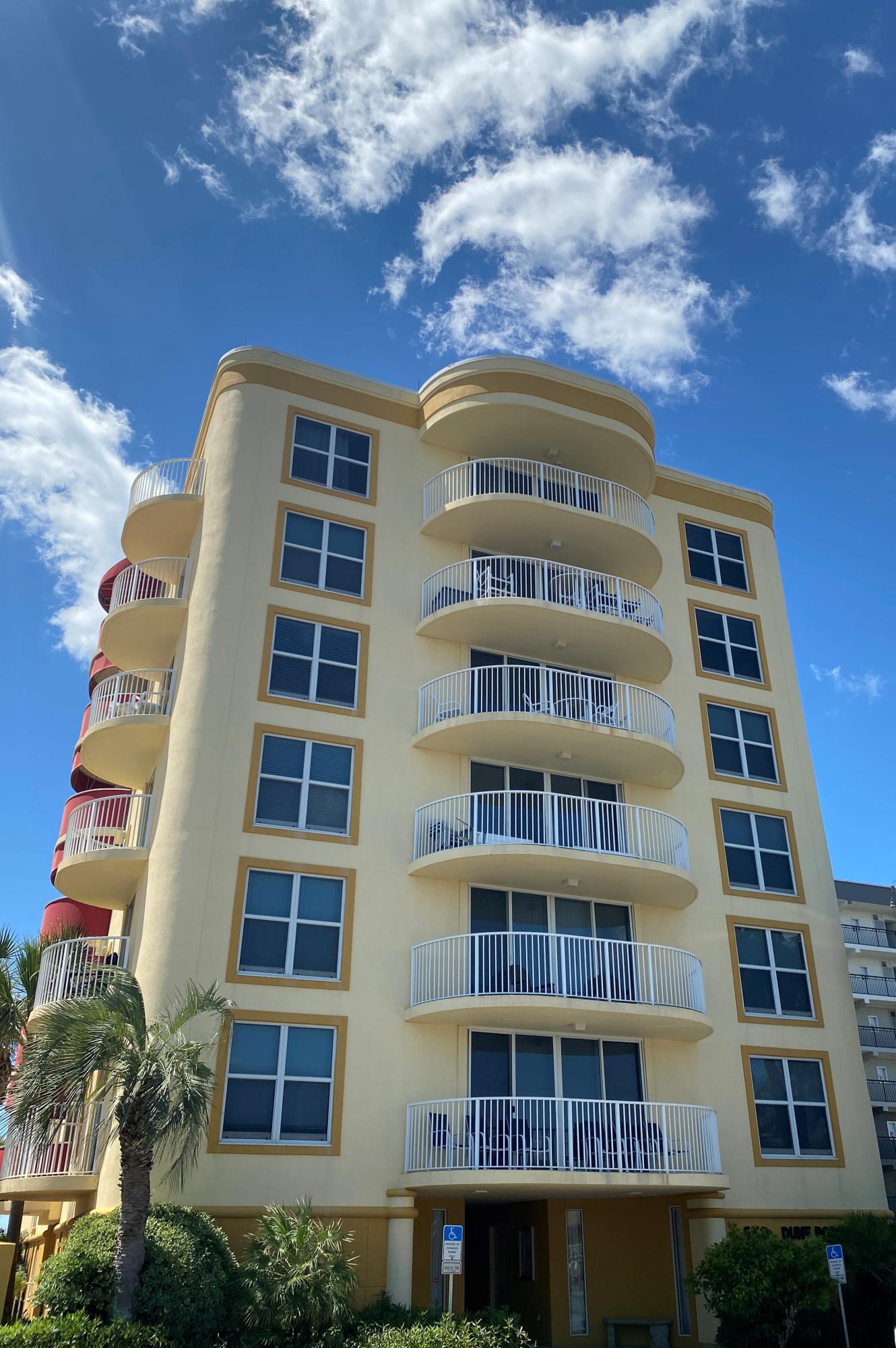 Photo of home for sale at 670 Santa Rosa Boulevard, Fort Walton Beach FL