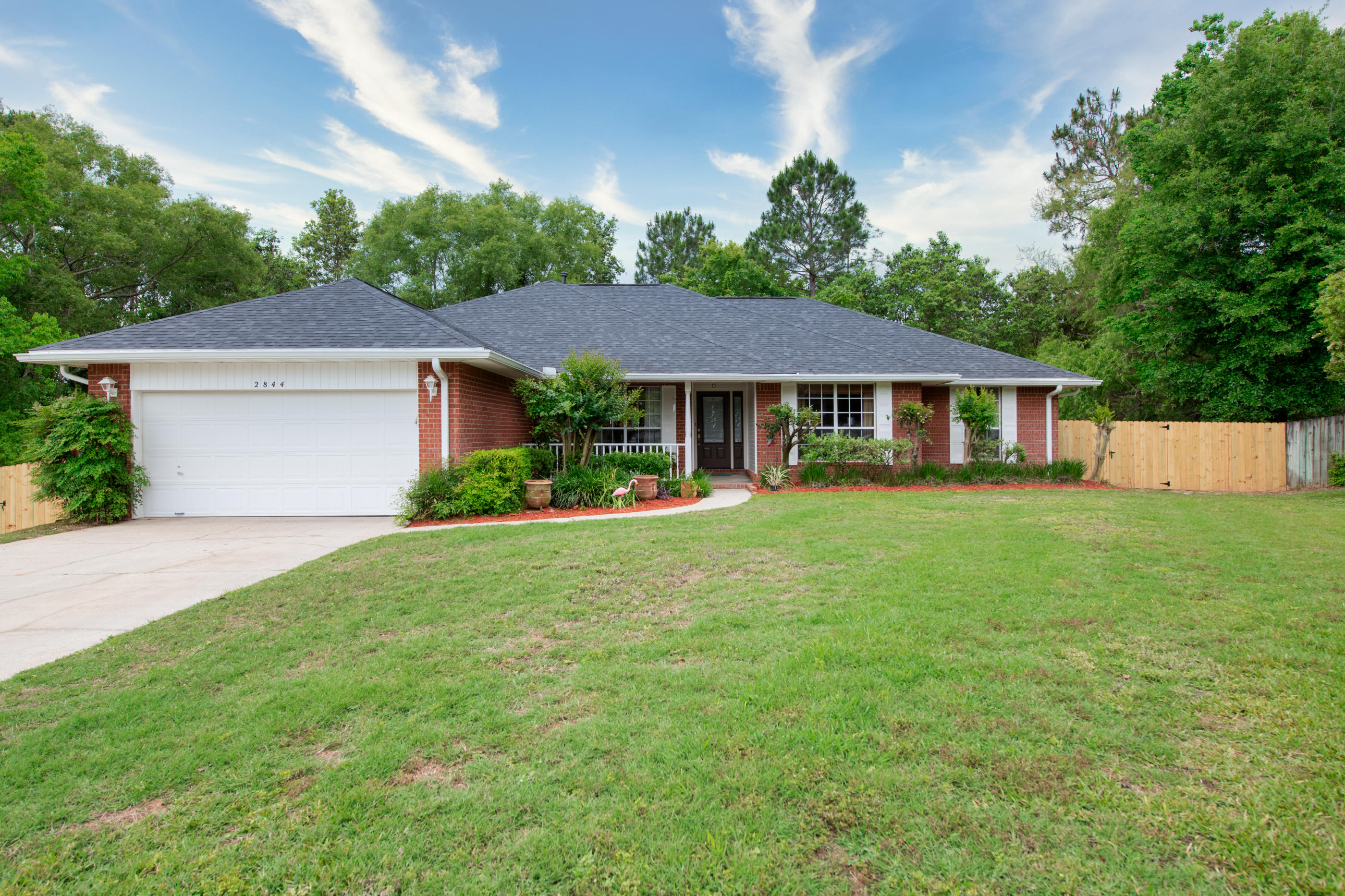 Photo of home for sale at 2844 Geronimo, Crestview FL