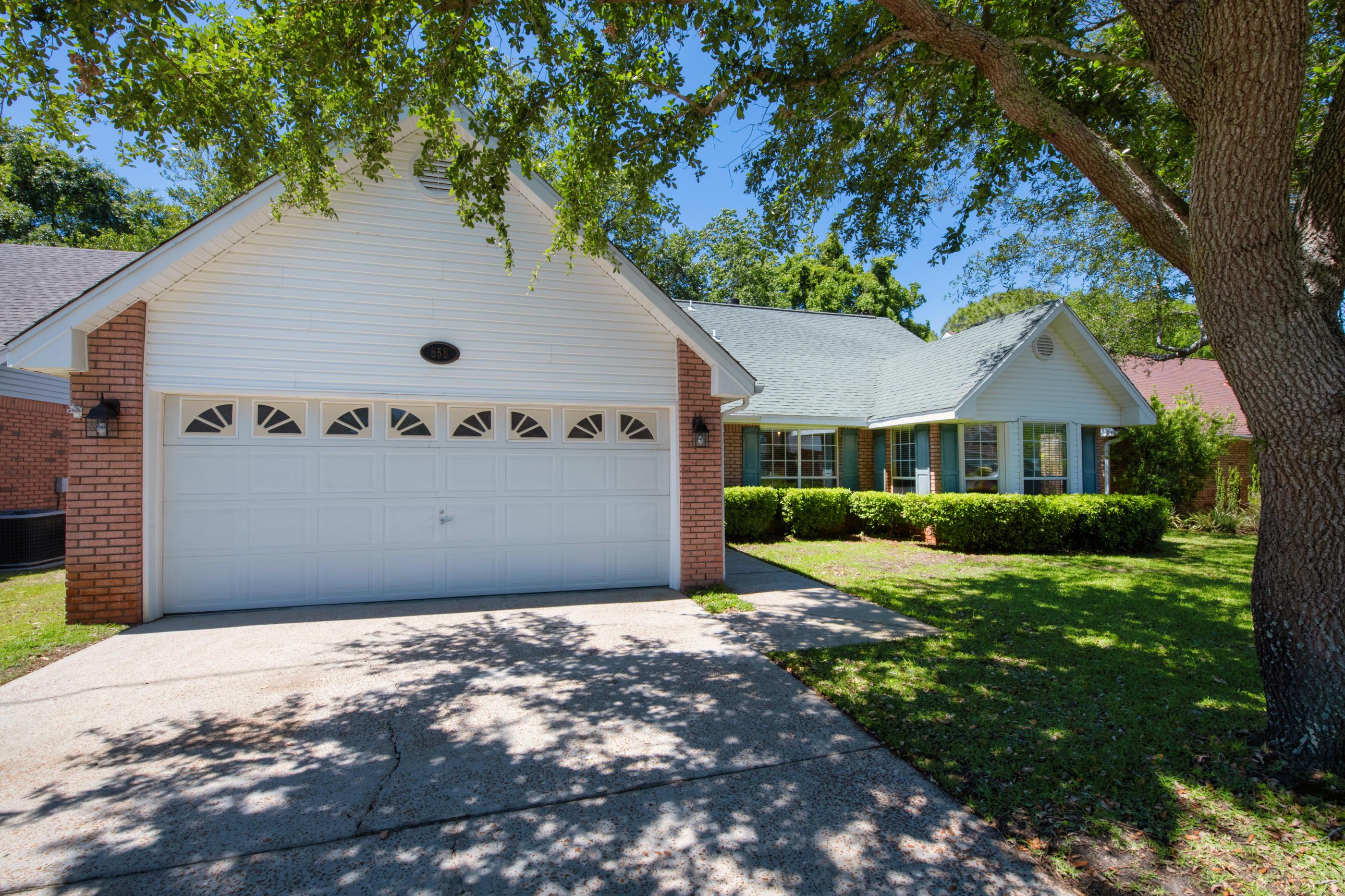 858  Mande Court, Eglin AFB, Florida