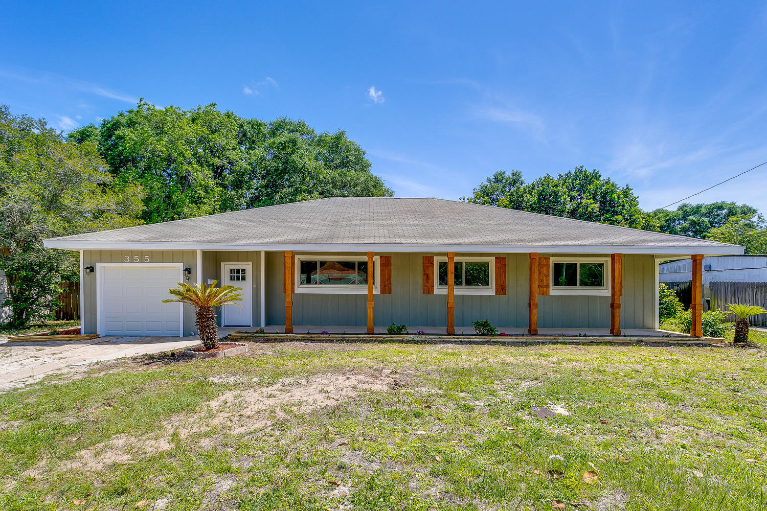 Photo of home for sale at 355 Gardner, Fort Walton Beach FL