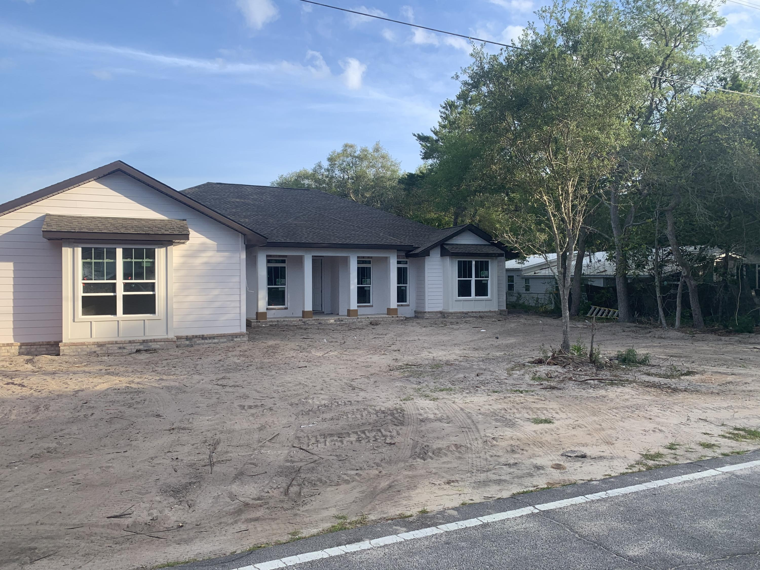 Photo of home for sale at 403 Carter, Destin FL