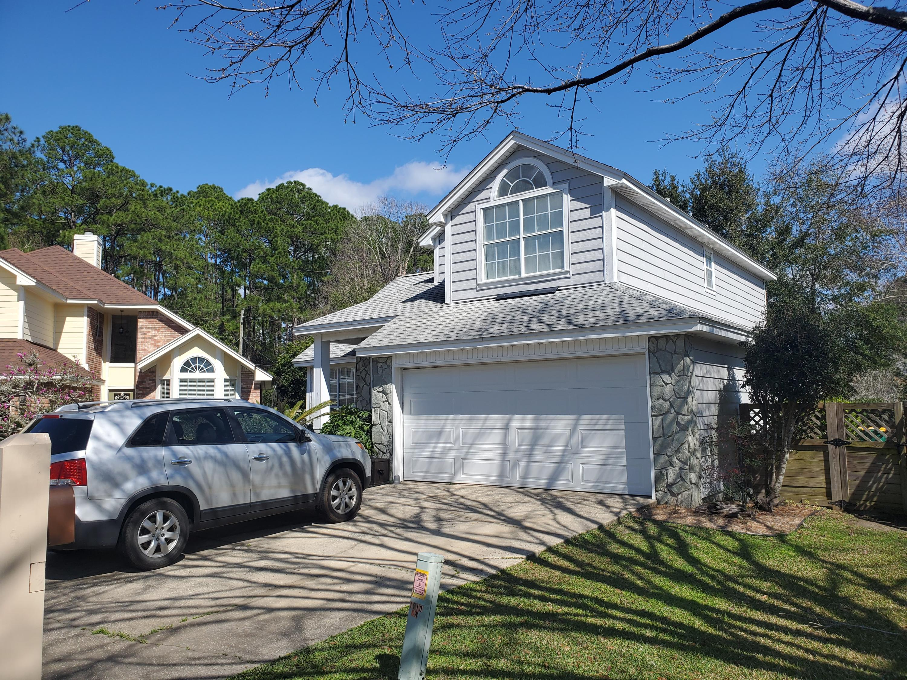 Photo of home for sale at 1910 Mistral, Fort Walton Beach FL