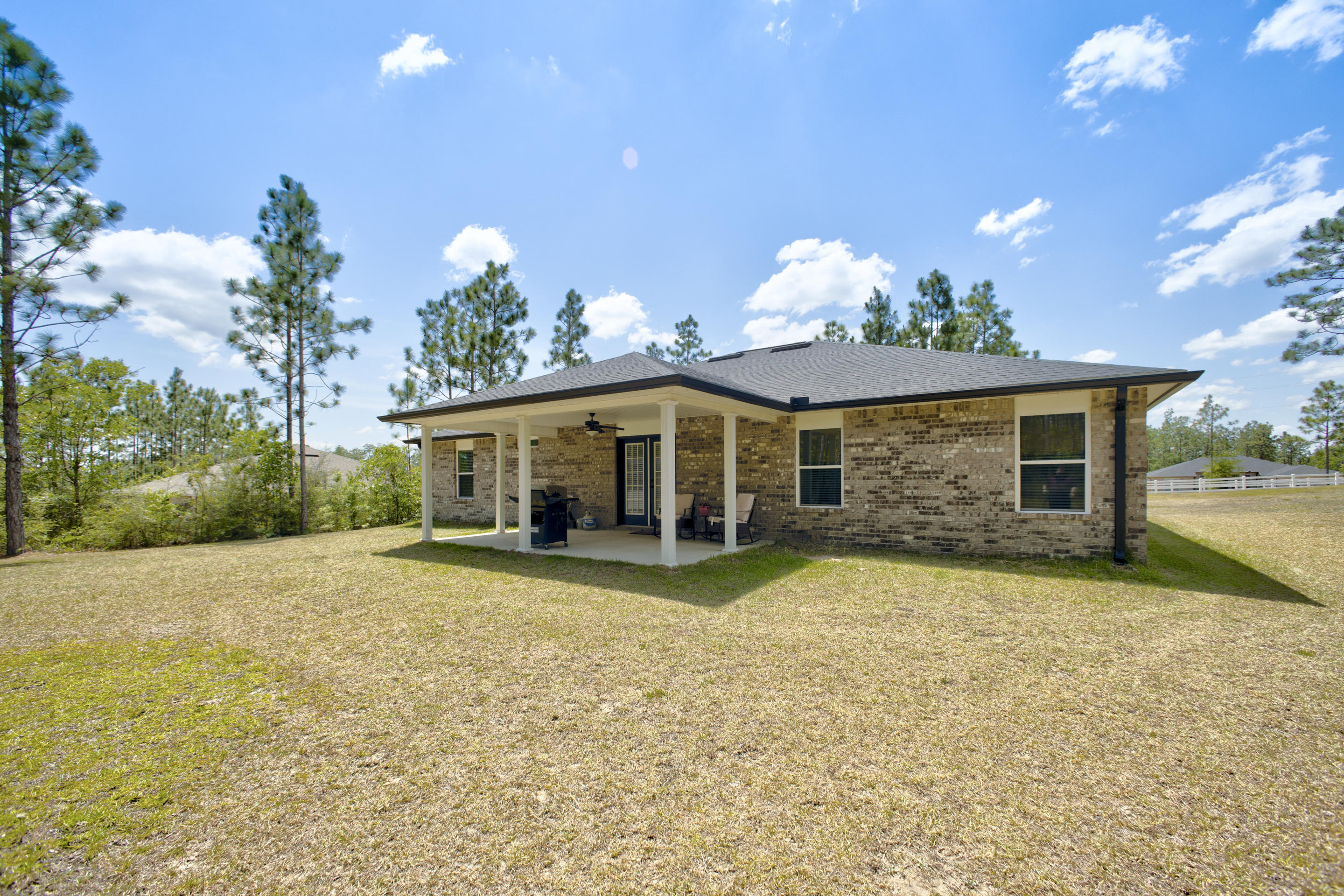 Photo of home for sale at 6471 Welannee, Laurel Hill FL