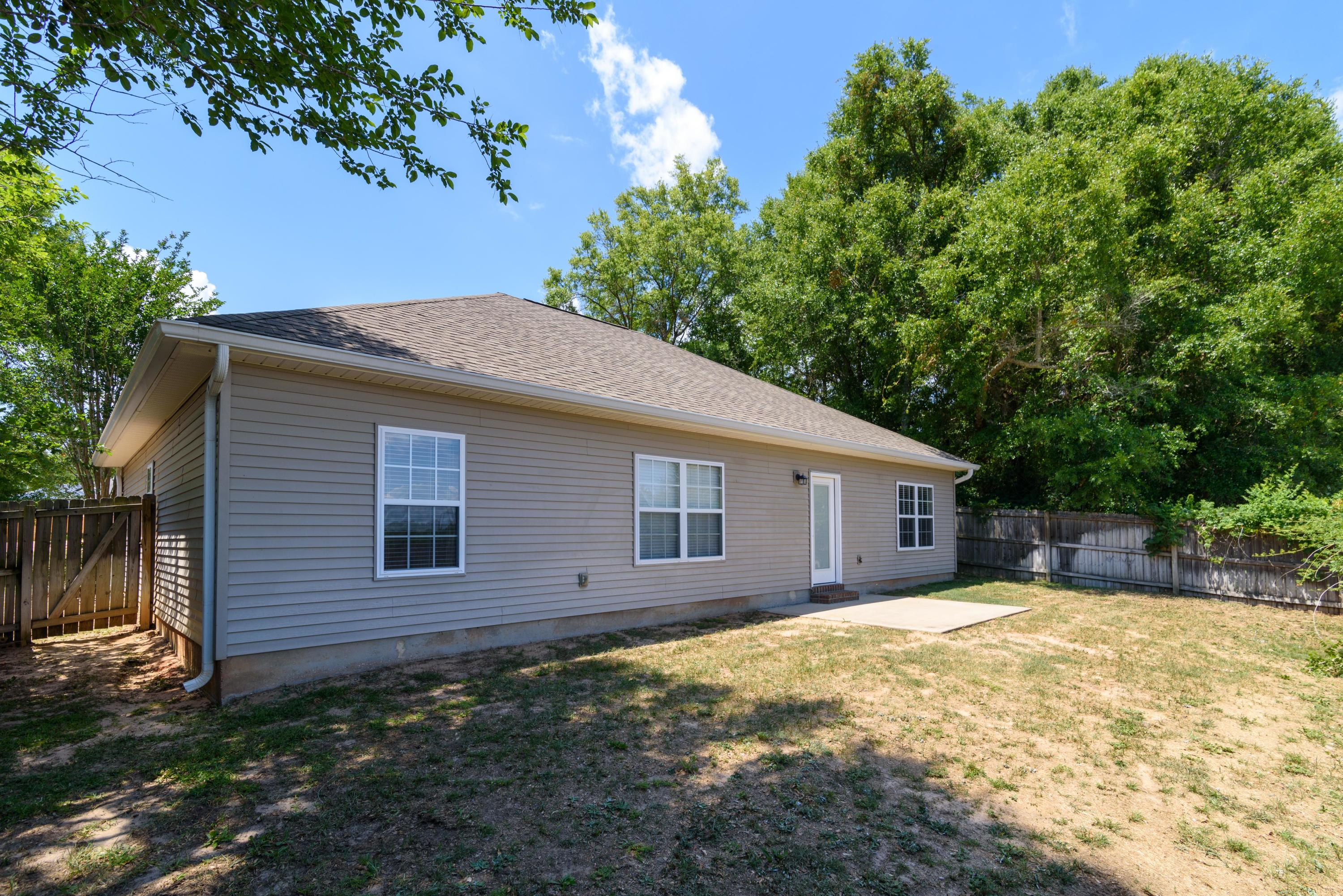 Photo of home for sale at 150 Creve Core, Crestview FL