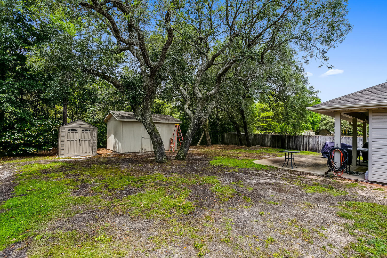 Photo of home for sale at 2739 River Run, Navarre FL