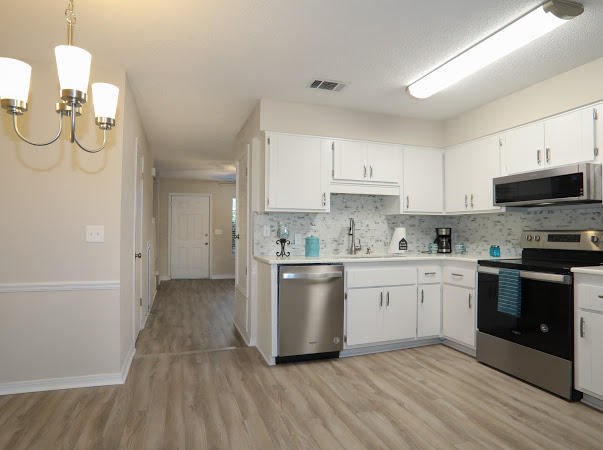 Photo of home for sale at 1325 Greendale, Fort Walton Beach FL
