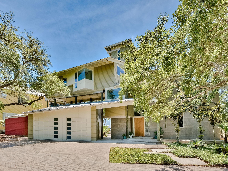 Photo of home for sale at 198 Center, Santa Rosa Beach FL