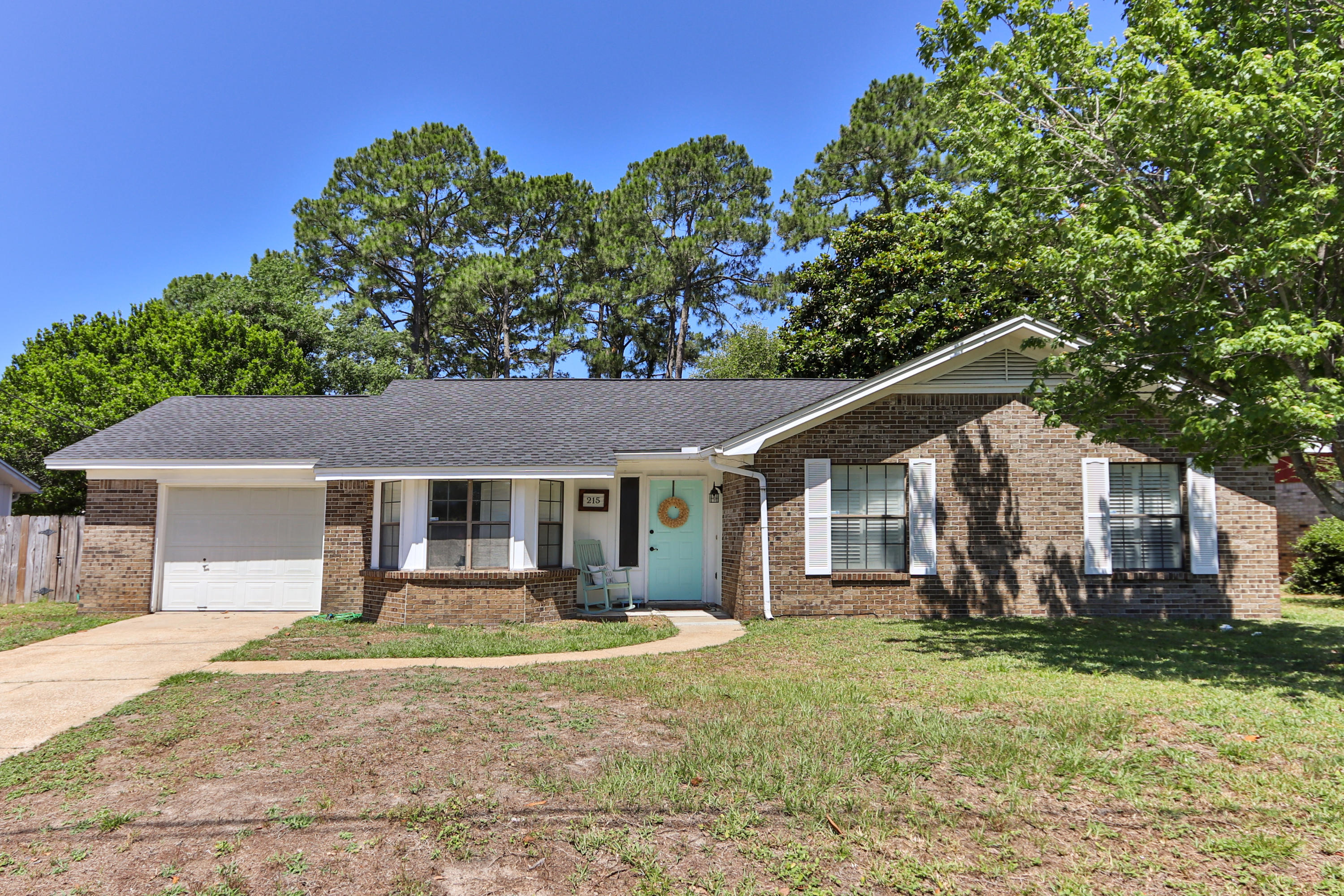 Photo of home for sale at 215 Seville, Mary Esther FL