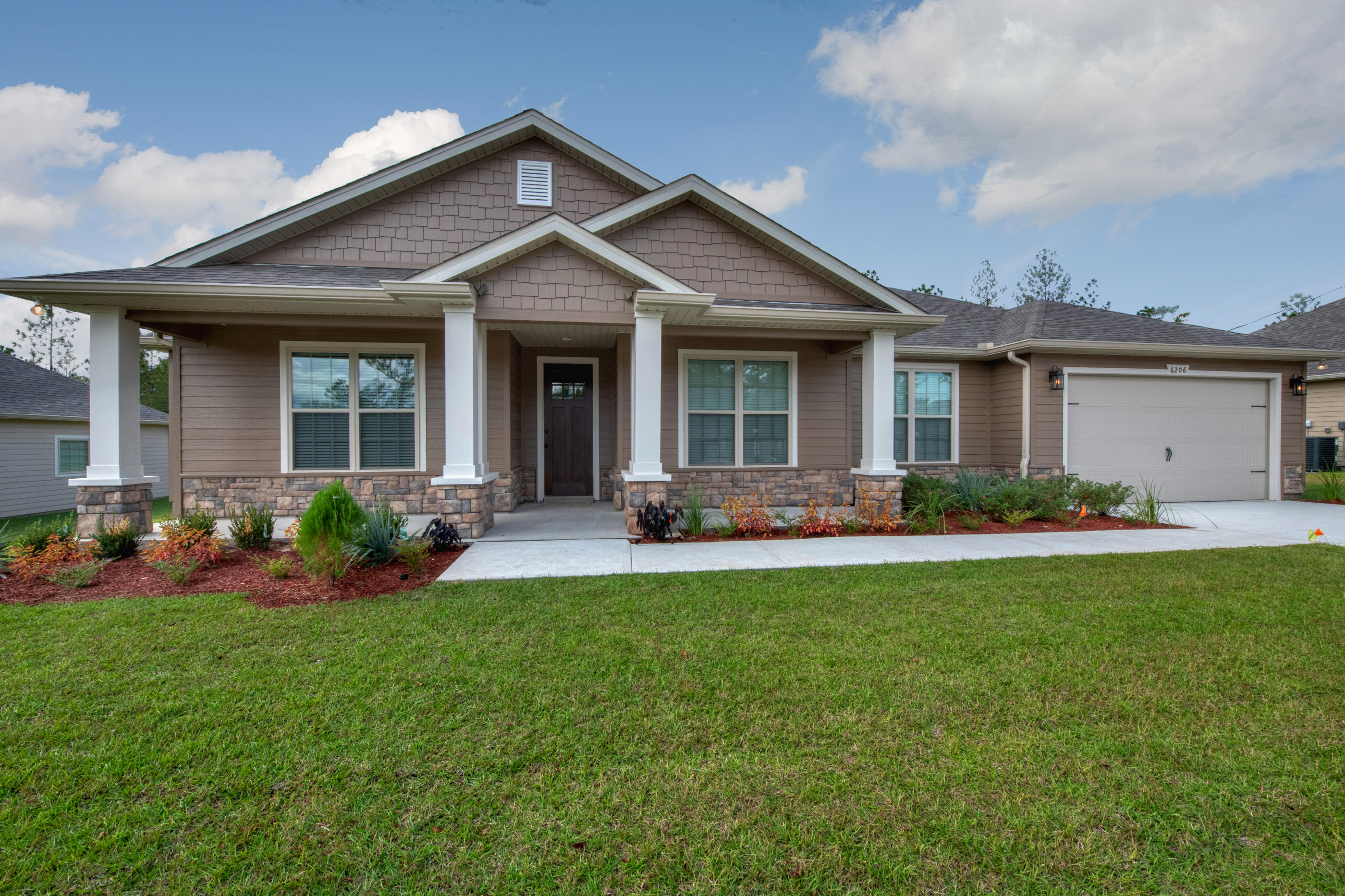 Photo of home for sale at 3508 Malus, Crestview FL