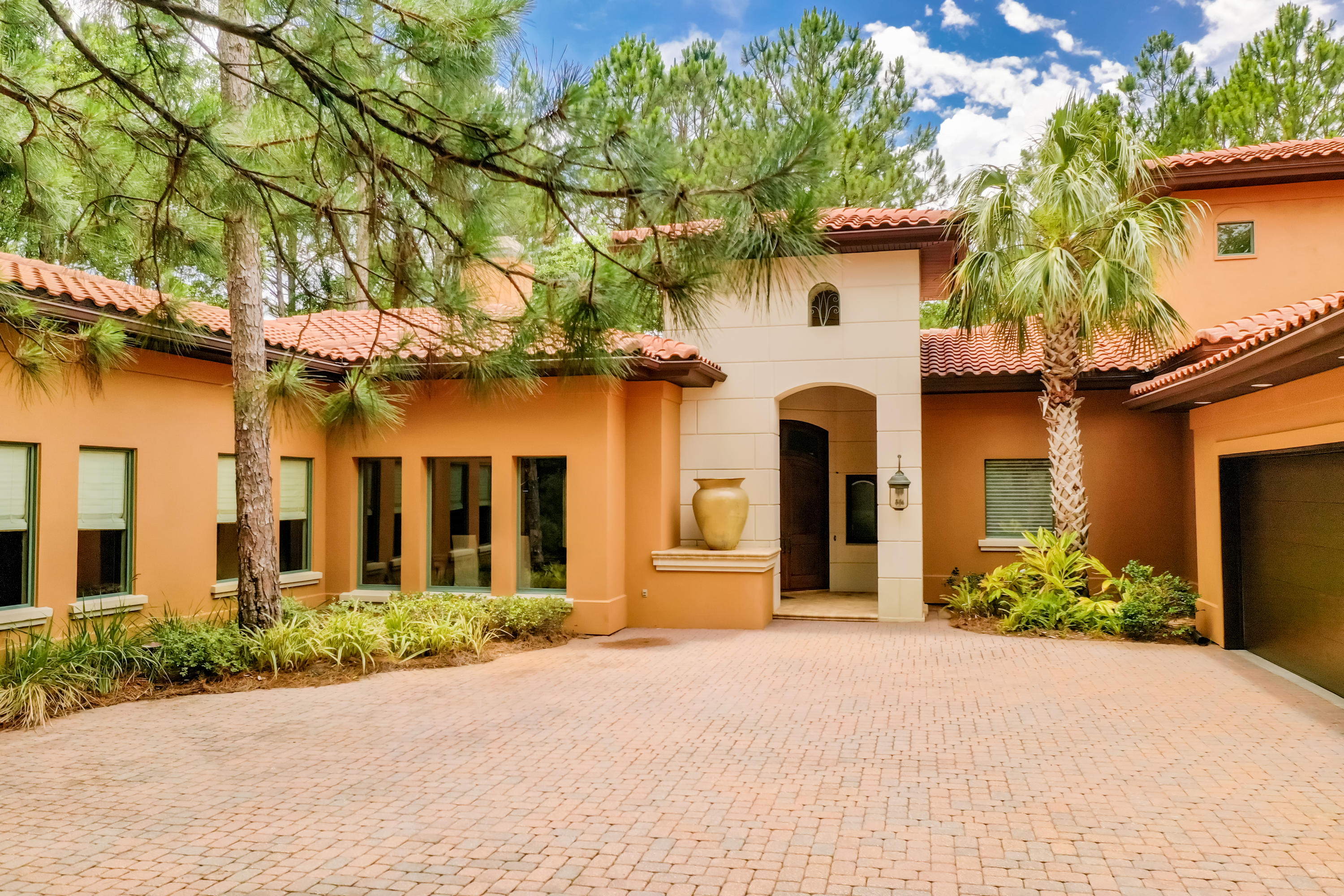 Photo of home for sale at 3597 Preserve, Miramar Beach FL