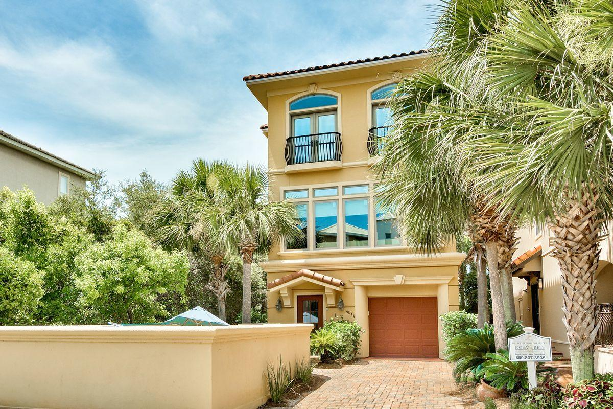 Photo of home for sale at 4844 Ocean, Destin FL