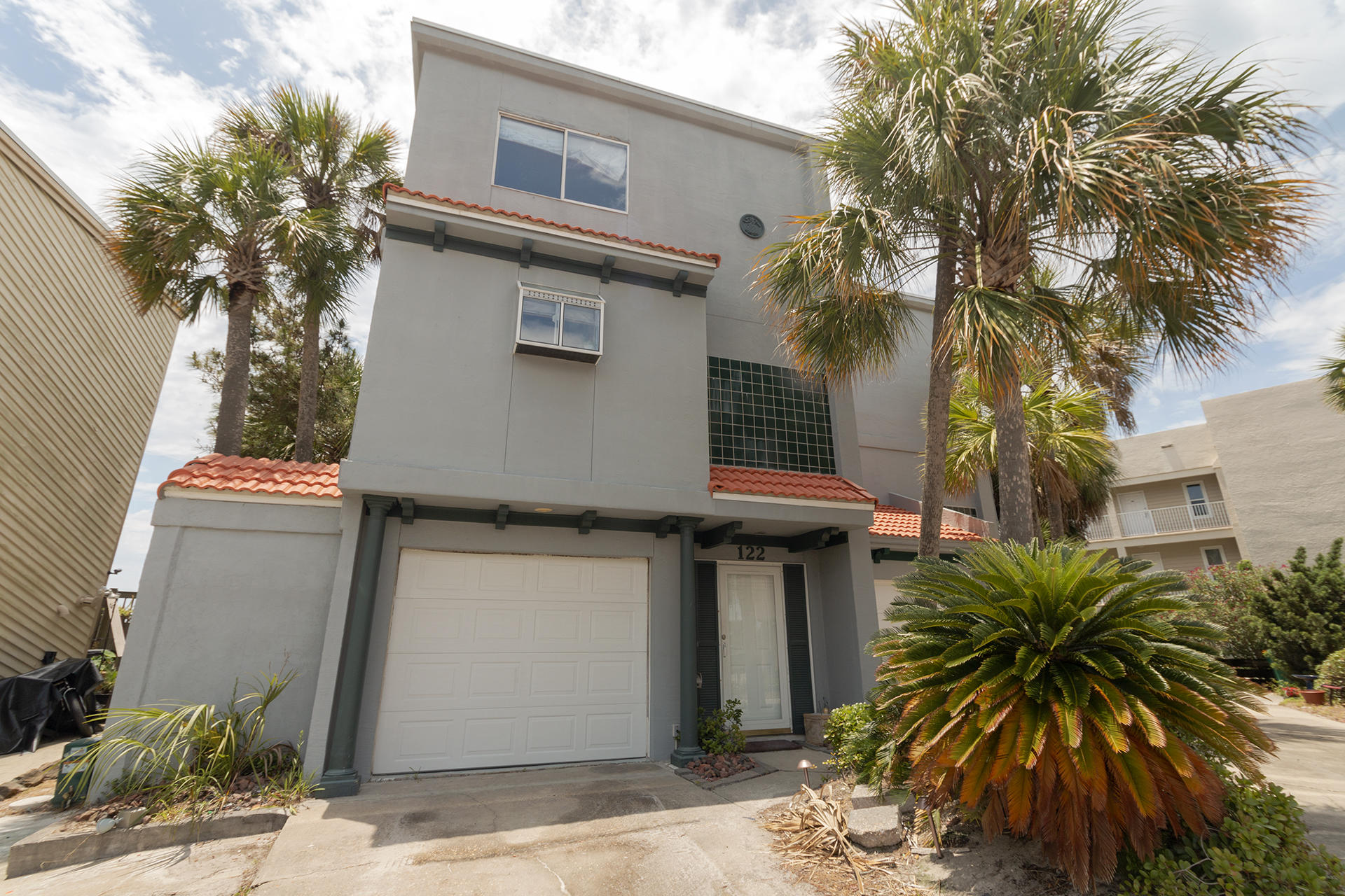 Photo of home for sale at 122 Gulf Winds, Destin FL