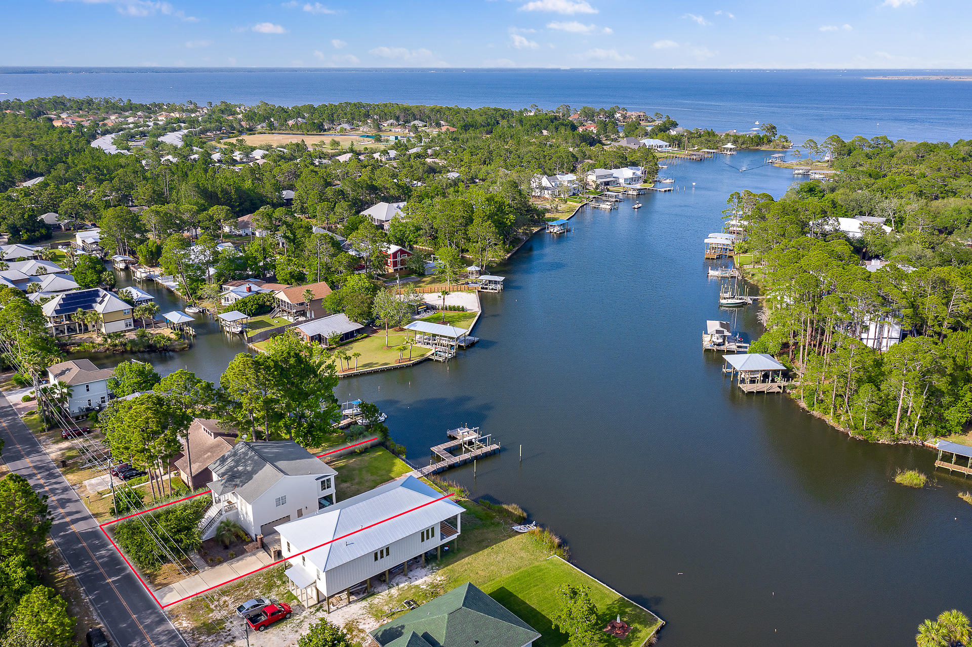 Photo of home for sale at 368 Harborview, Santa Rosa Beach FL