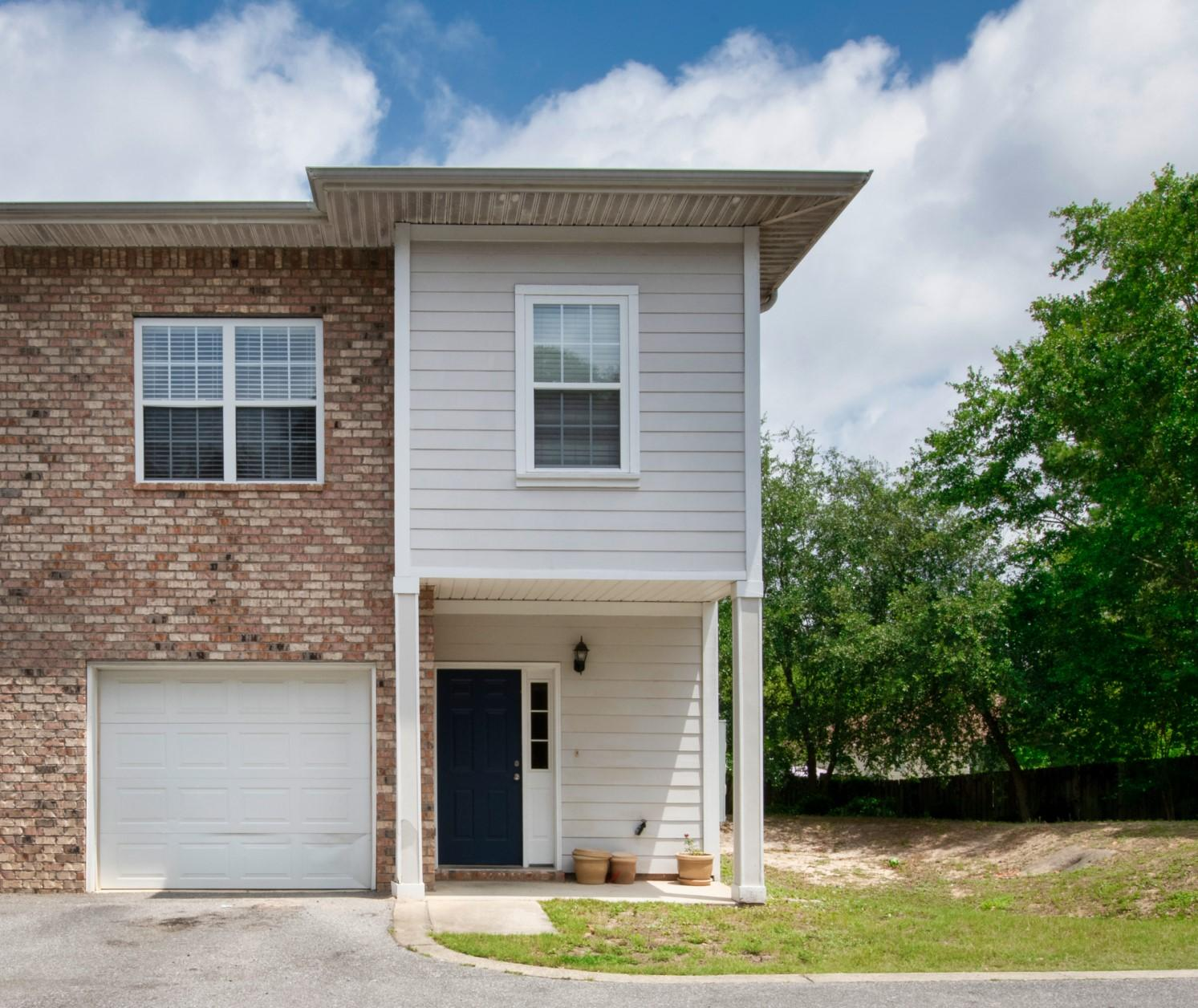 Photo of home for sale at 643 Gap Creek, Fort Walton Beach FL