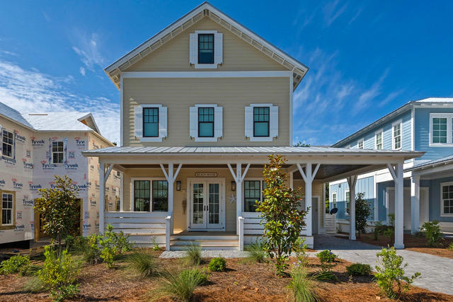 A 4 Bedroom 4 Bedroom Lakeside At Blue Mountain Beach Home
