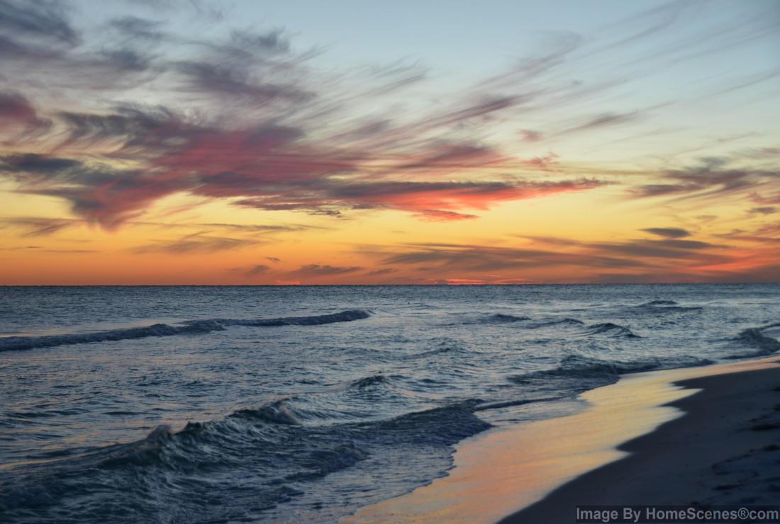 Photo of home for sale at 775 Gulf Shore, Destin FL