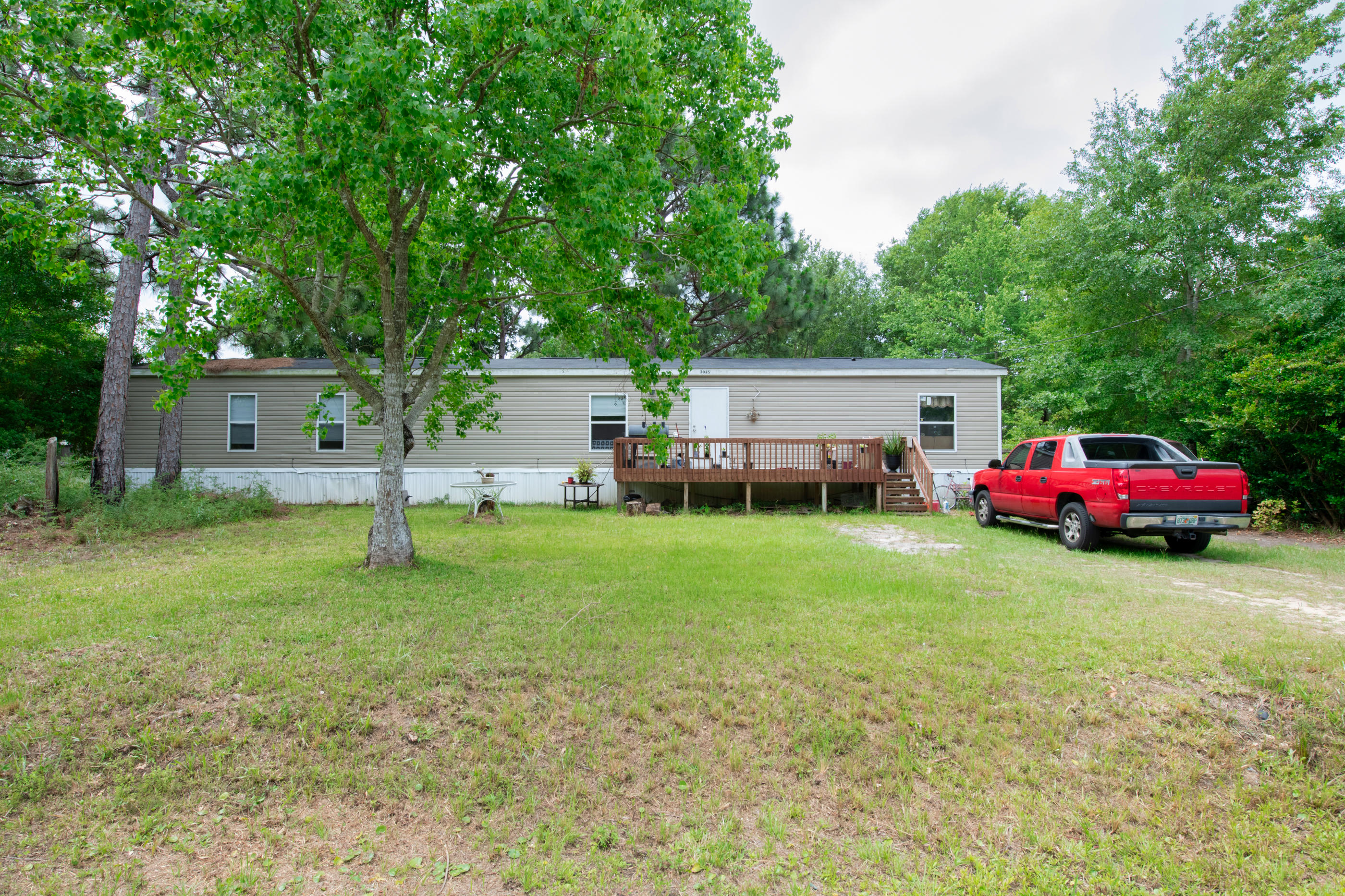 Photo of home for sale at 3025 Ferris, Navarre FL