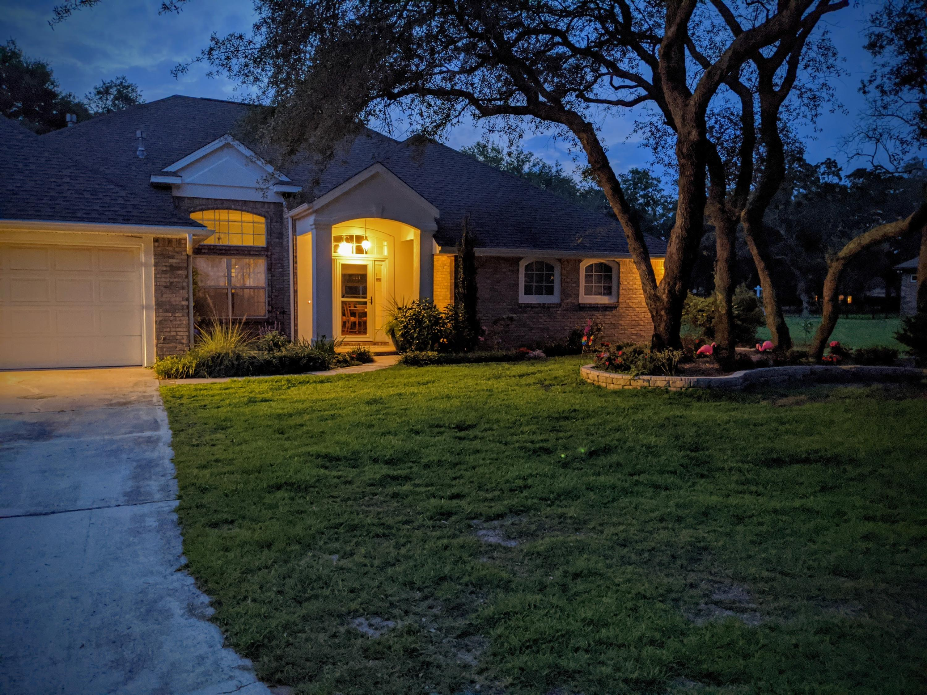 Photo of home for sale at 4405 Windlake, Niceville FL