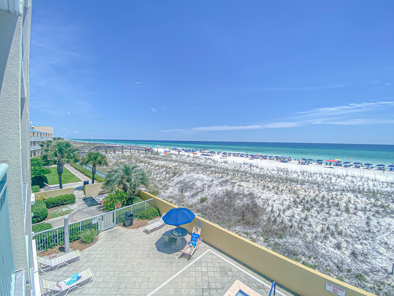 Photo of home for sale at 866 Santa Rosa, Fort Walton Beach FL