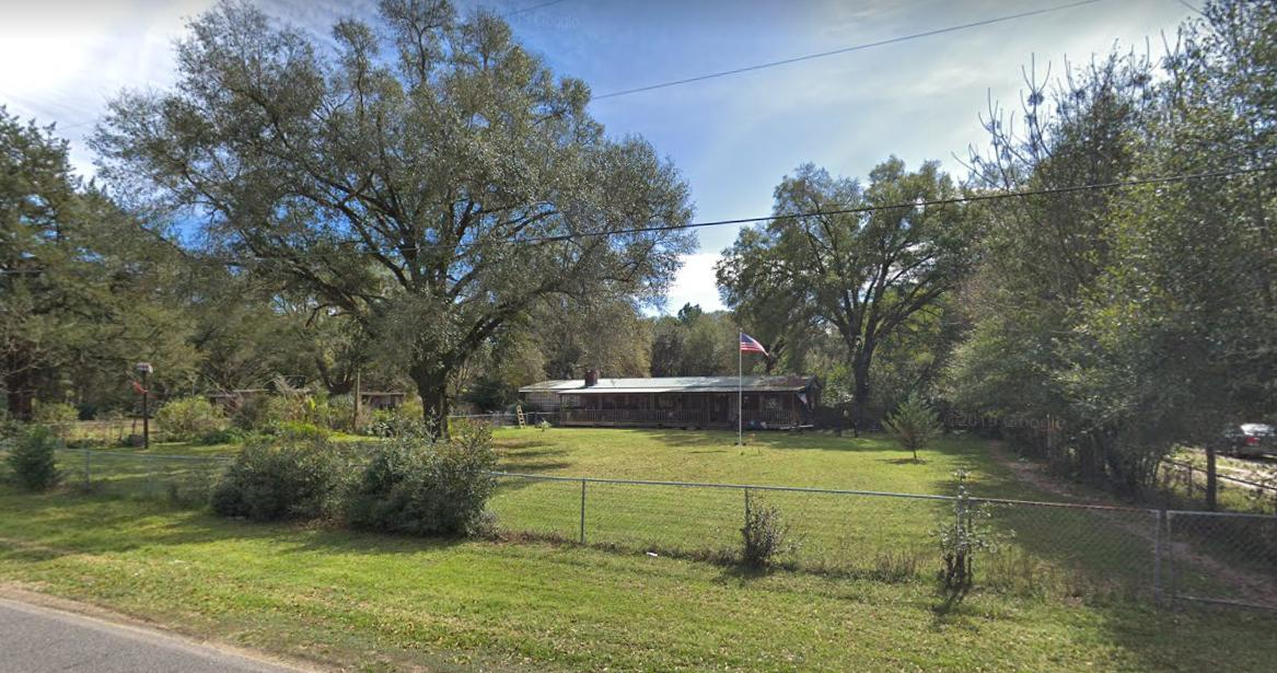 Photo of home for sale at 935 Edney, Crestview FL
