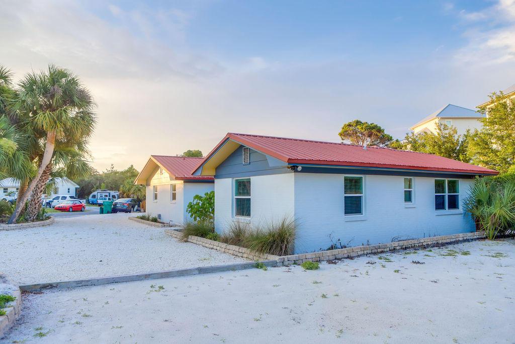 A 3 Bedroom 2 Bedroom Blue Gulf Resort Home