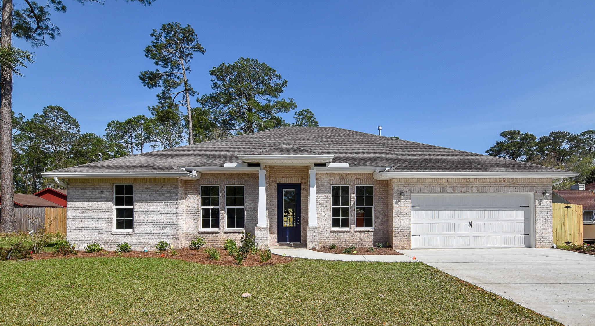 Photo of home for sale at 1541 Cat-Mar, Niceville FL