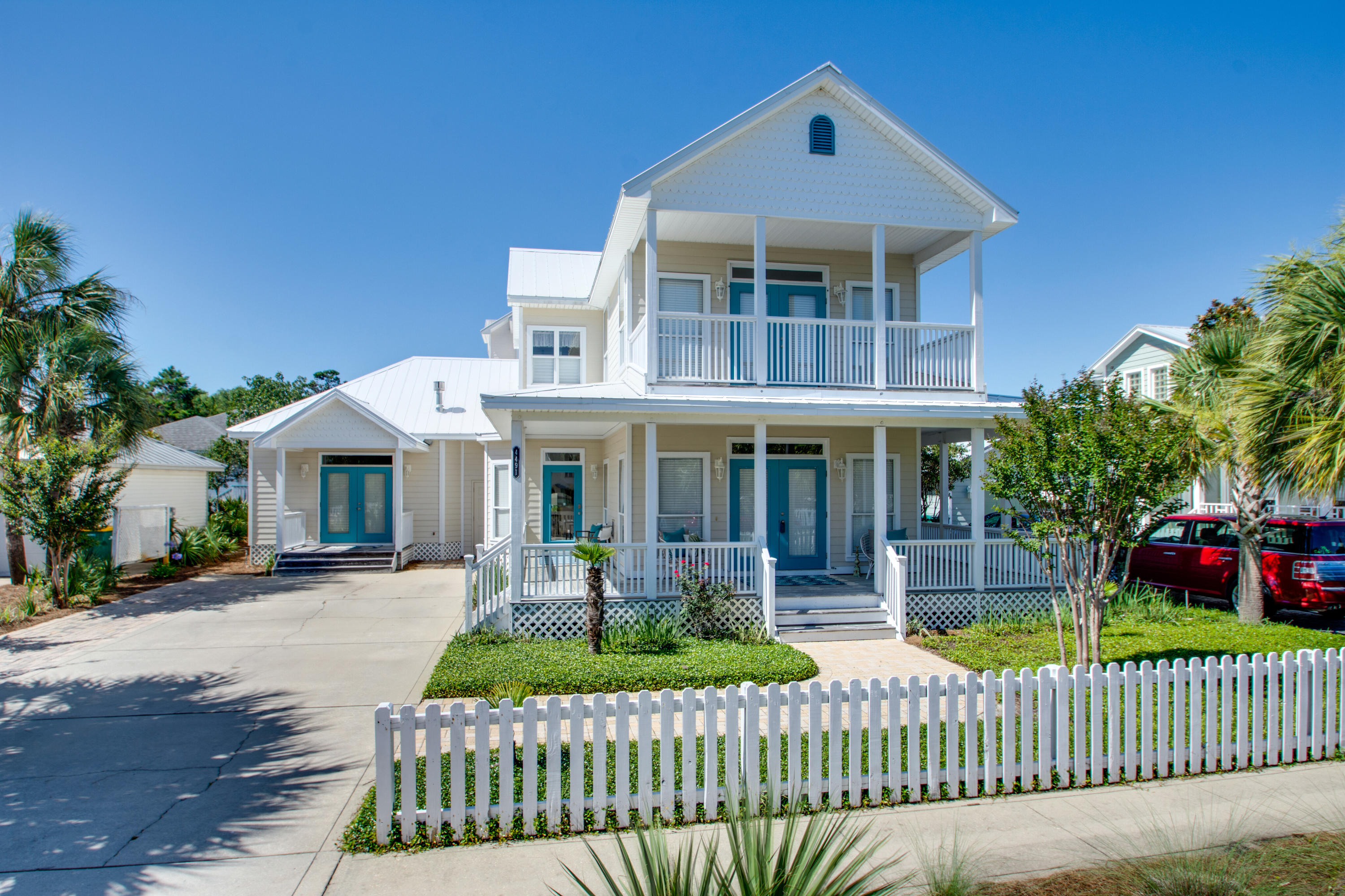 Photo of home for sale at 4491 Clipper, Destin FL