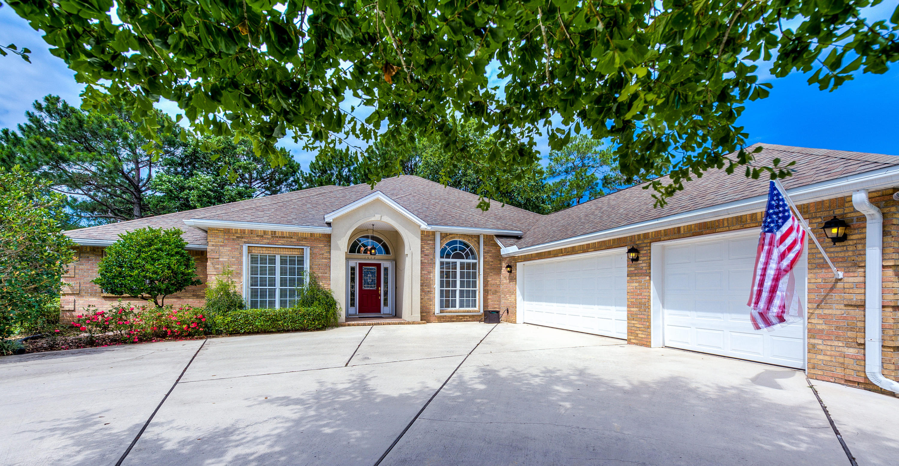 A 4 Bedroom 3 Bedroom Bluewater Sub (222208.00) Home