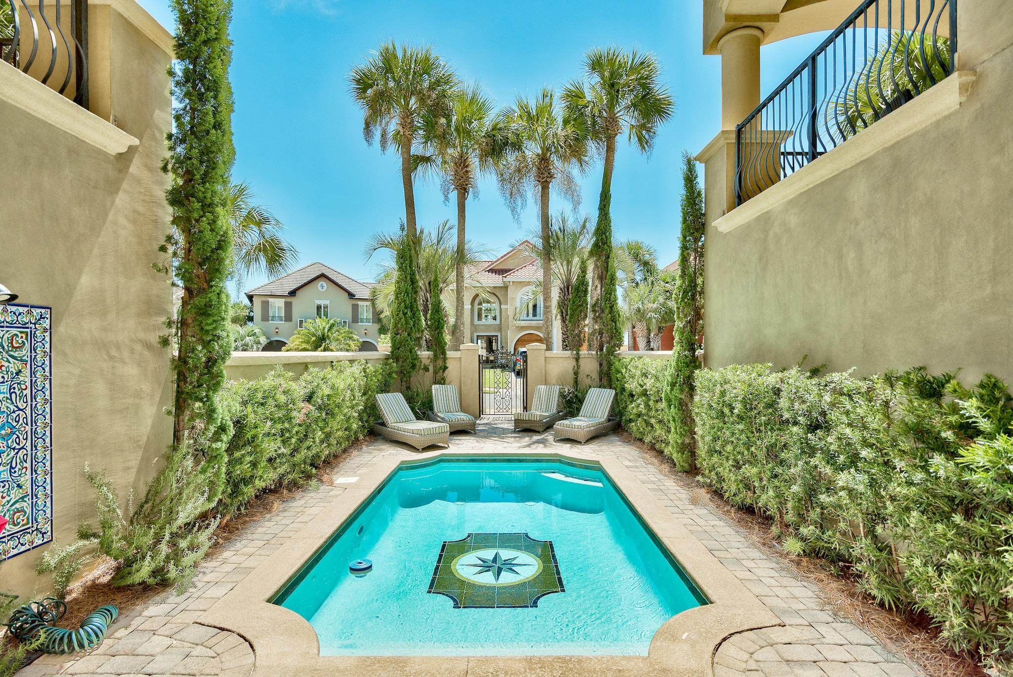 A 5 Bedroom 5 Bedroom Avalon Beach Estates Home