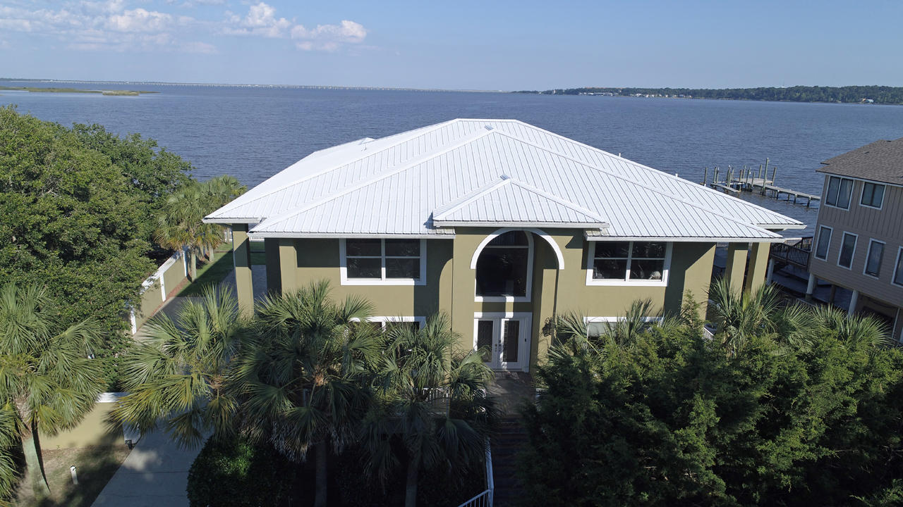Photo of home for sale at 3699 Mackey Cove, Pensacola FL